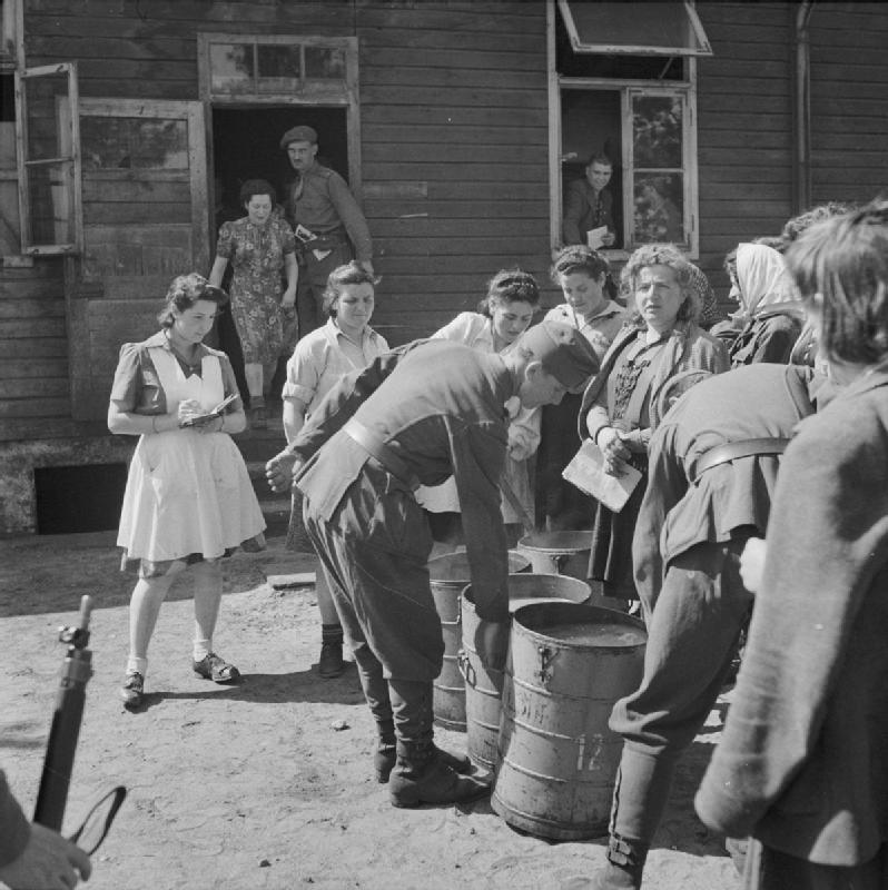 the role of concentration camps during the holocaust Extermination camps played the key role in the holocaust, as they enabled the nazis to gas and cremate victims - in order words, to dispose of them systematically, quickly and industrially.