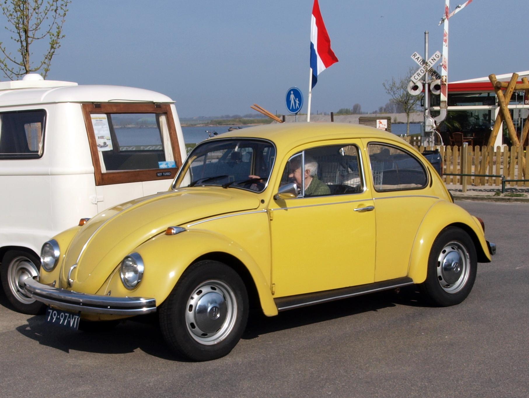 Volkswagen_Kever_%28Beetle%29_%281973%29