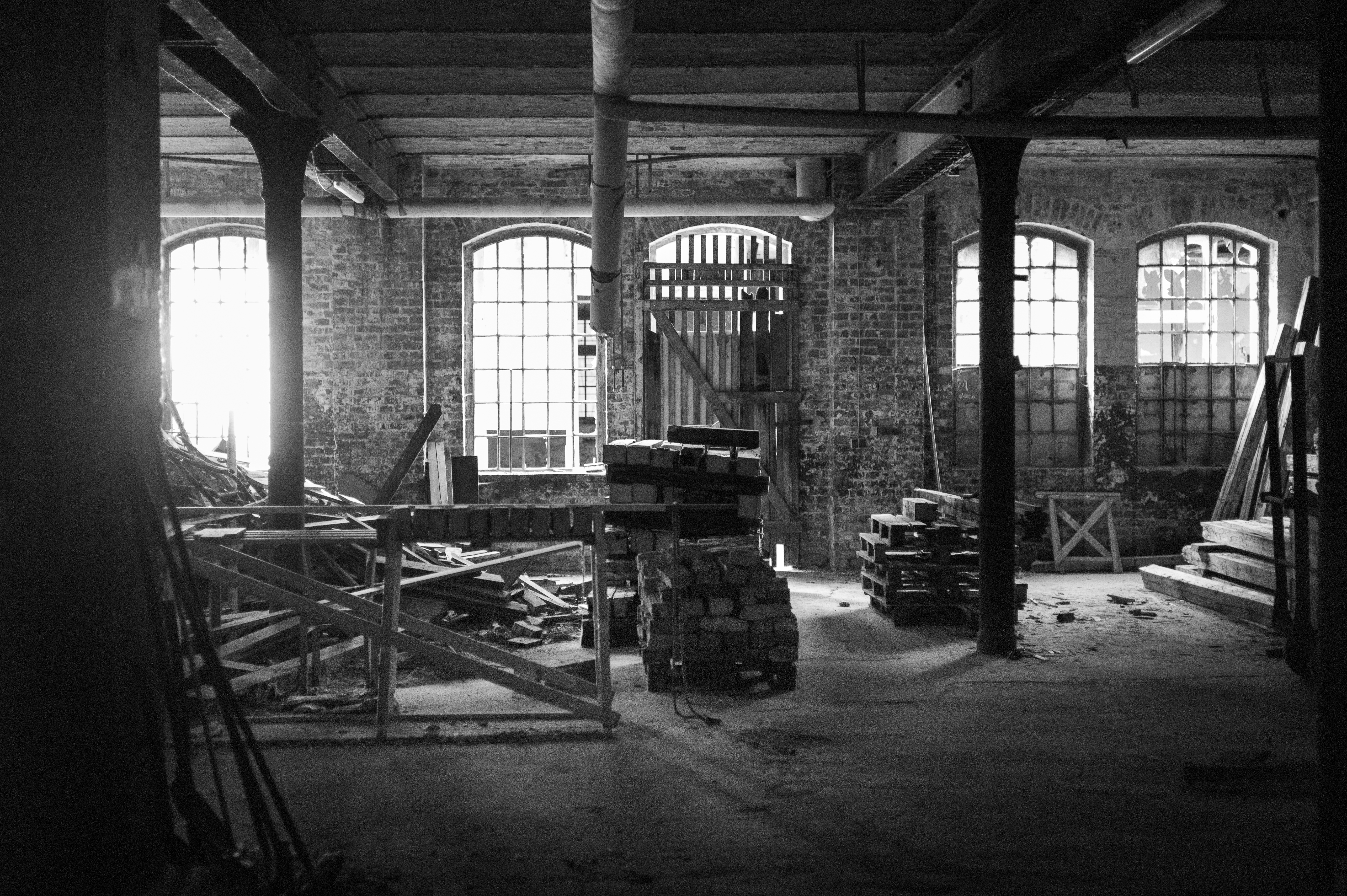 File:Warehouse Interior Leinhausen Repair Workshop Leinhausen Hannover  Germany