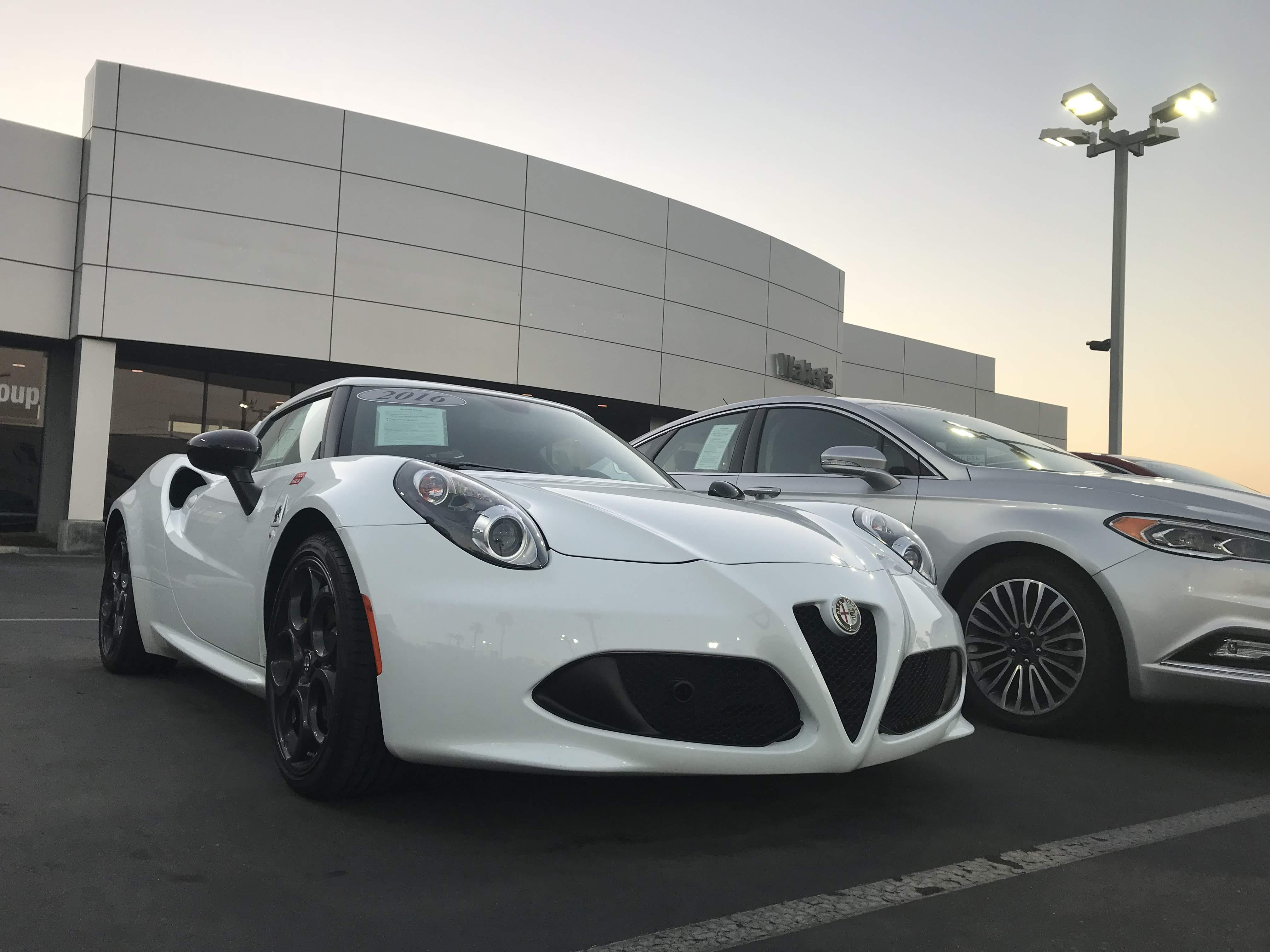 File White 2016 Alfa Romeo 4c Jpg Wikimedia Commons
