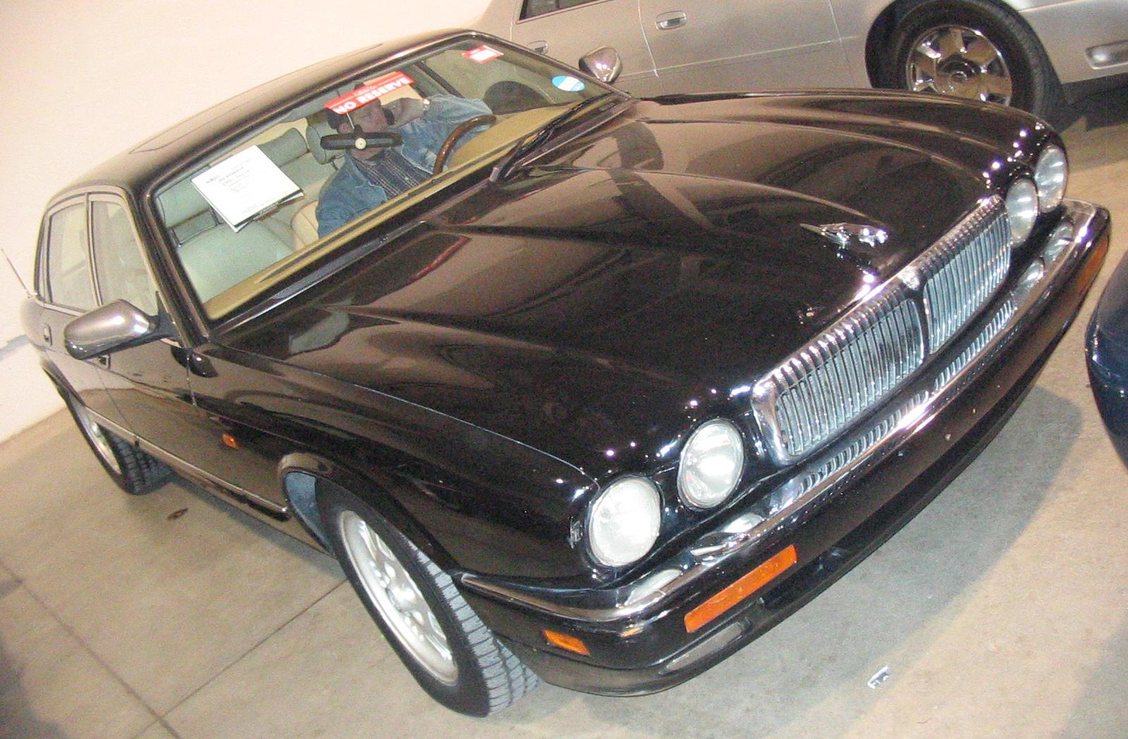 File Jaguar Xj Vanden Plas Toronto Spring Classic Car