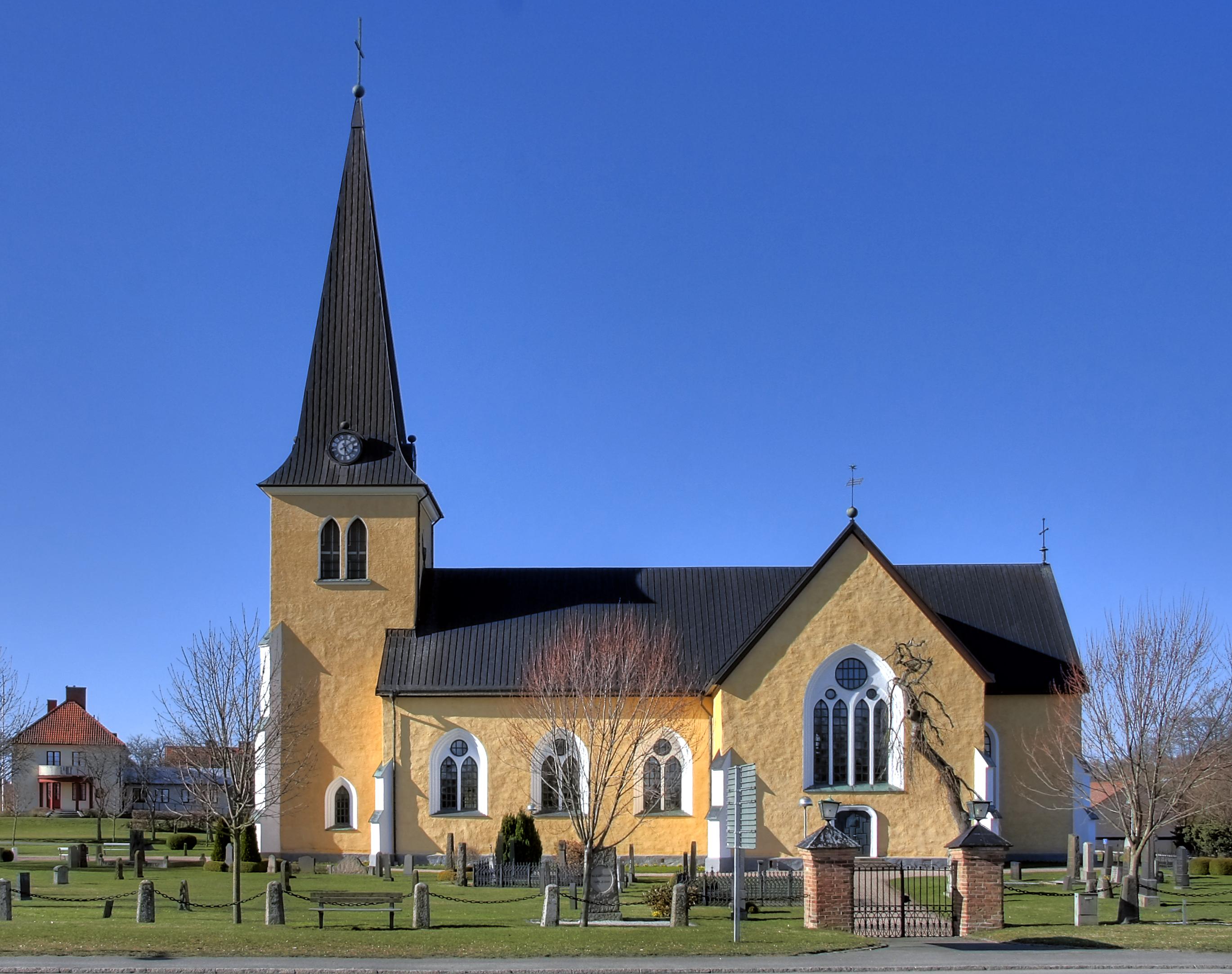 Bild av Östra Broby kyrka