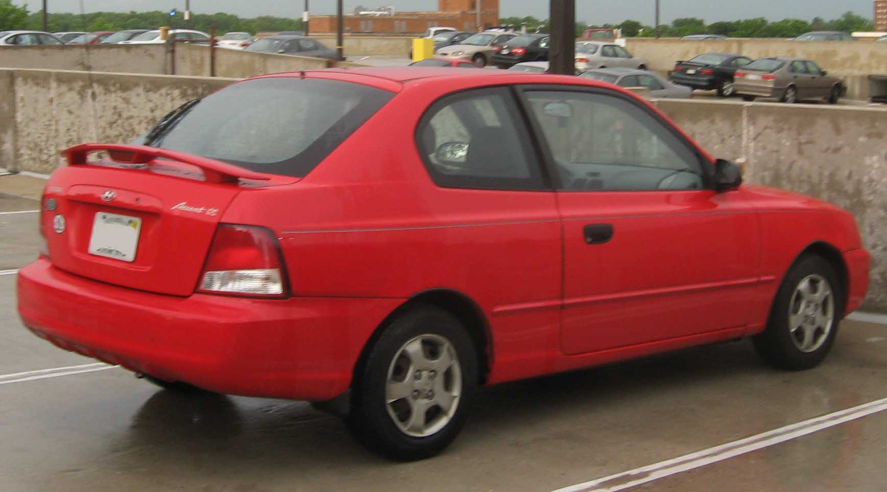 File 00 02 Hyundai Accent Hatch Jpg Wikimedia Commons