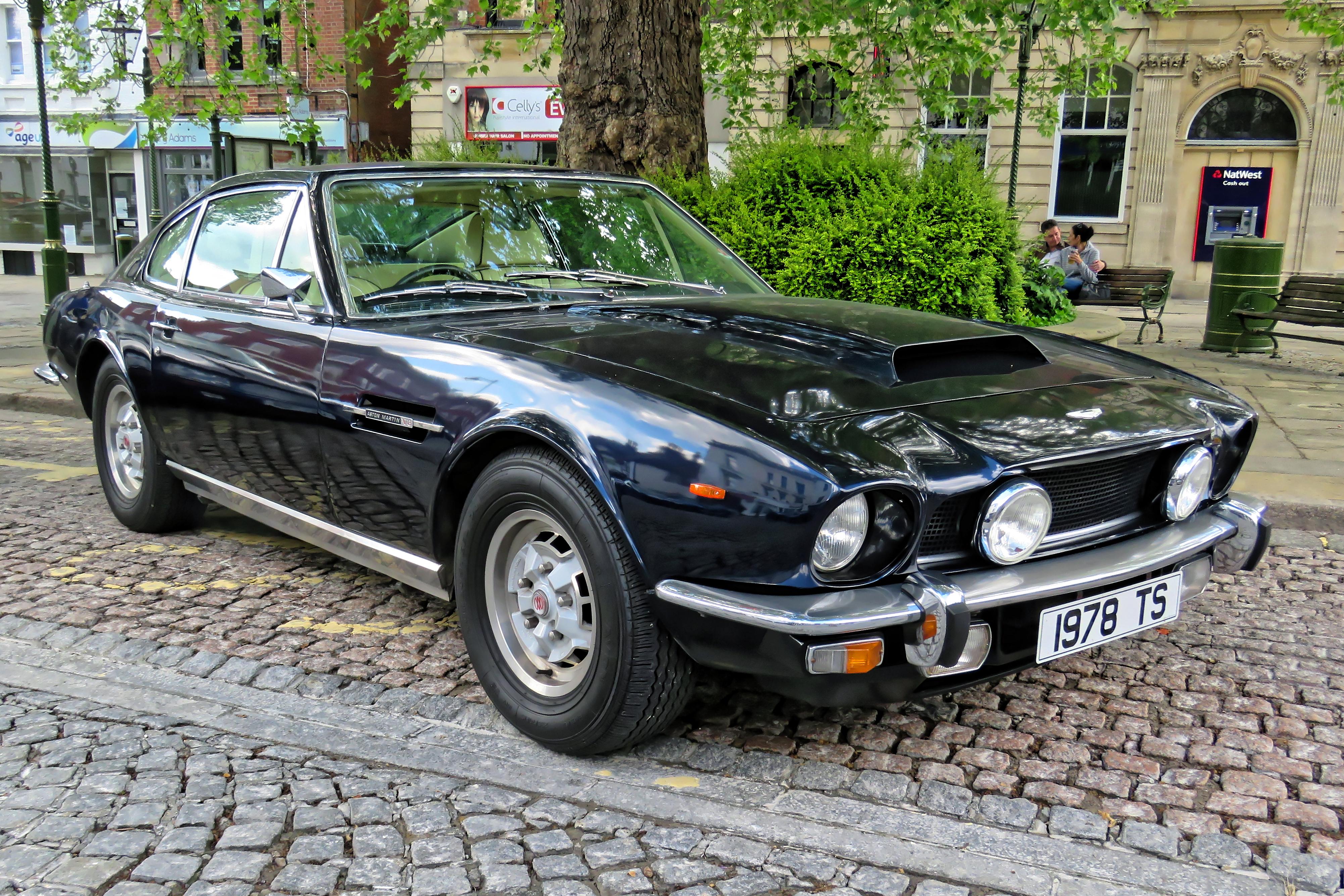 File 1978 Aston Martin V8 Series 3 5340 Cc At Horsham English Festival 2018 A Jpg Wikimedia Commons