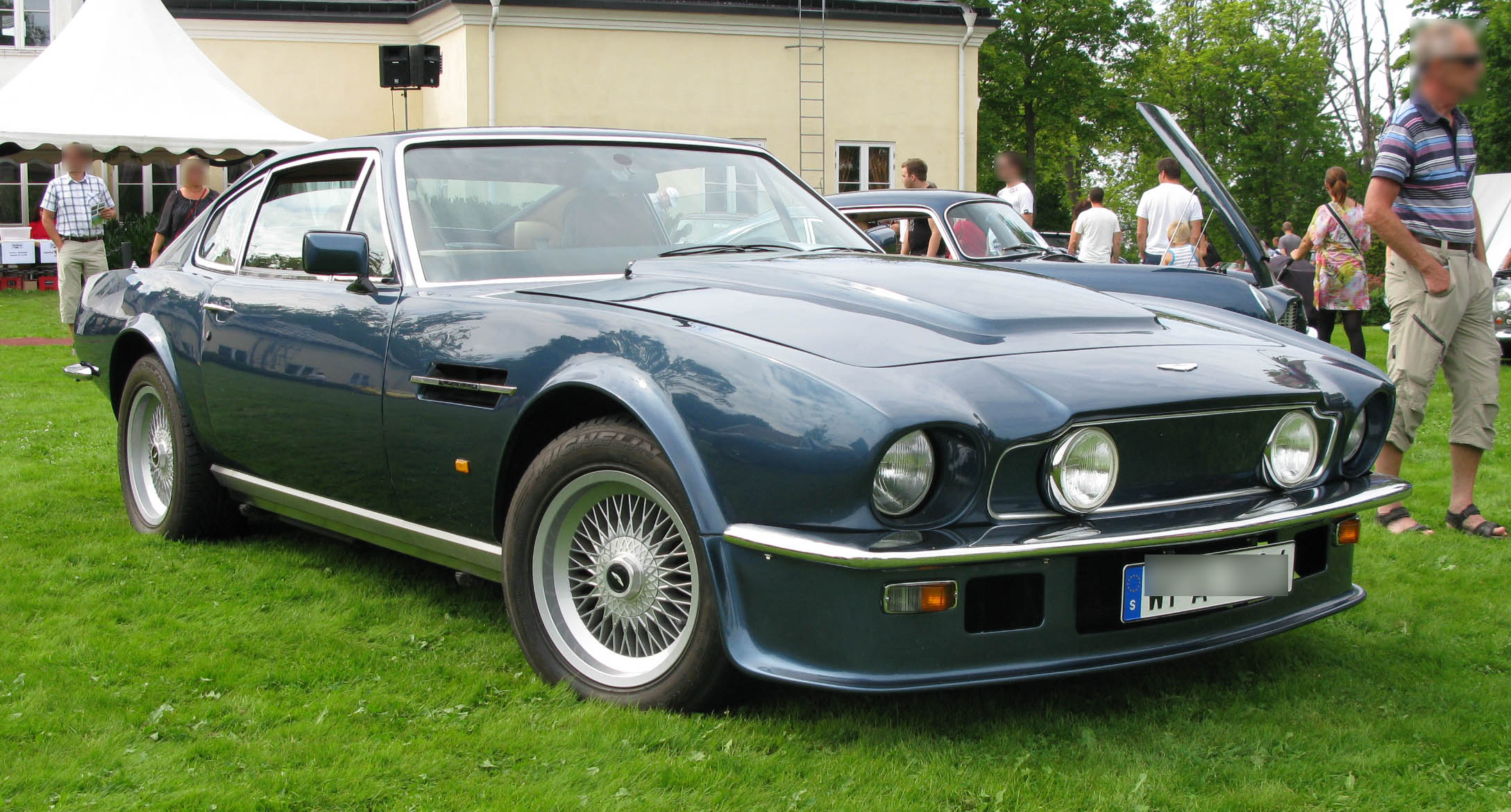 file 1988 aston martin v8 vantage wikimedia commons. Black Bedroom Furniture Sets. Home Design Ideas