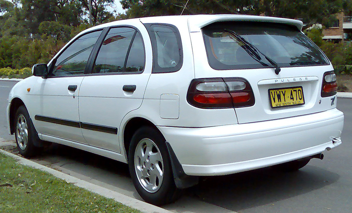 File 1998 2000 Nissan Pulsar N15 S2 Q 5 Door Hatchback