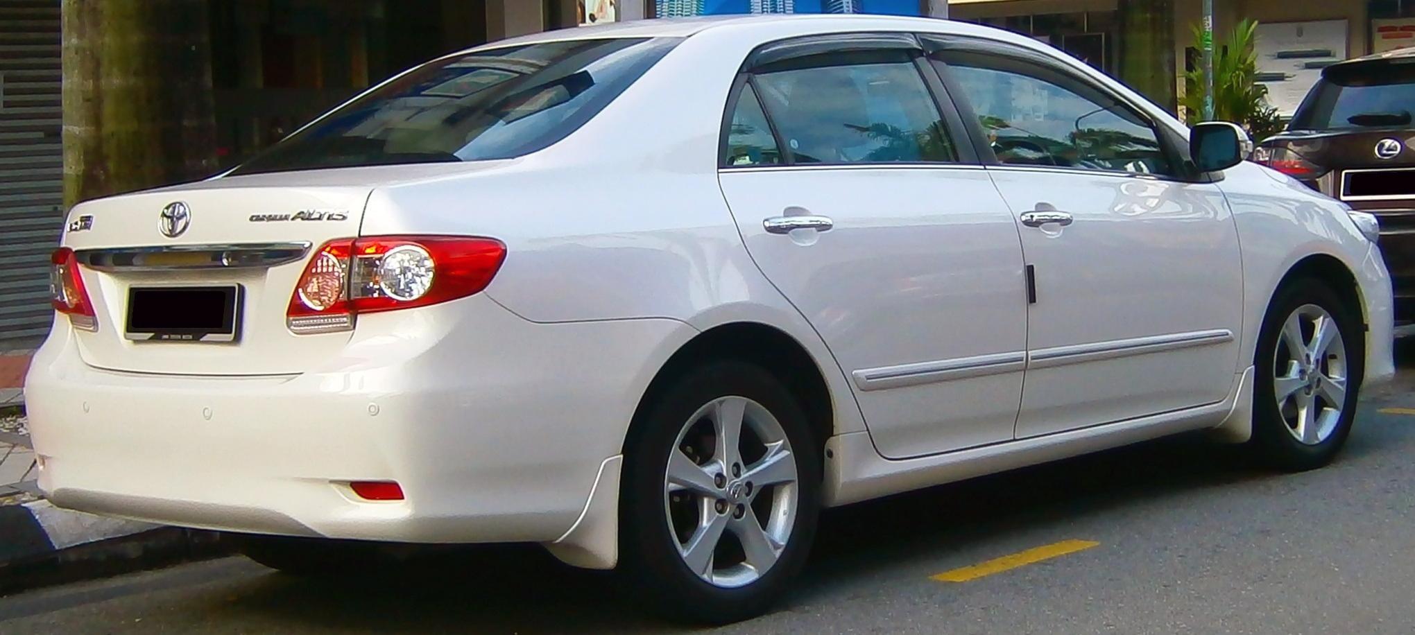 Toyota Corolla Altis 2013 White