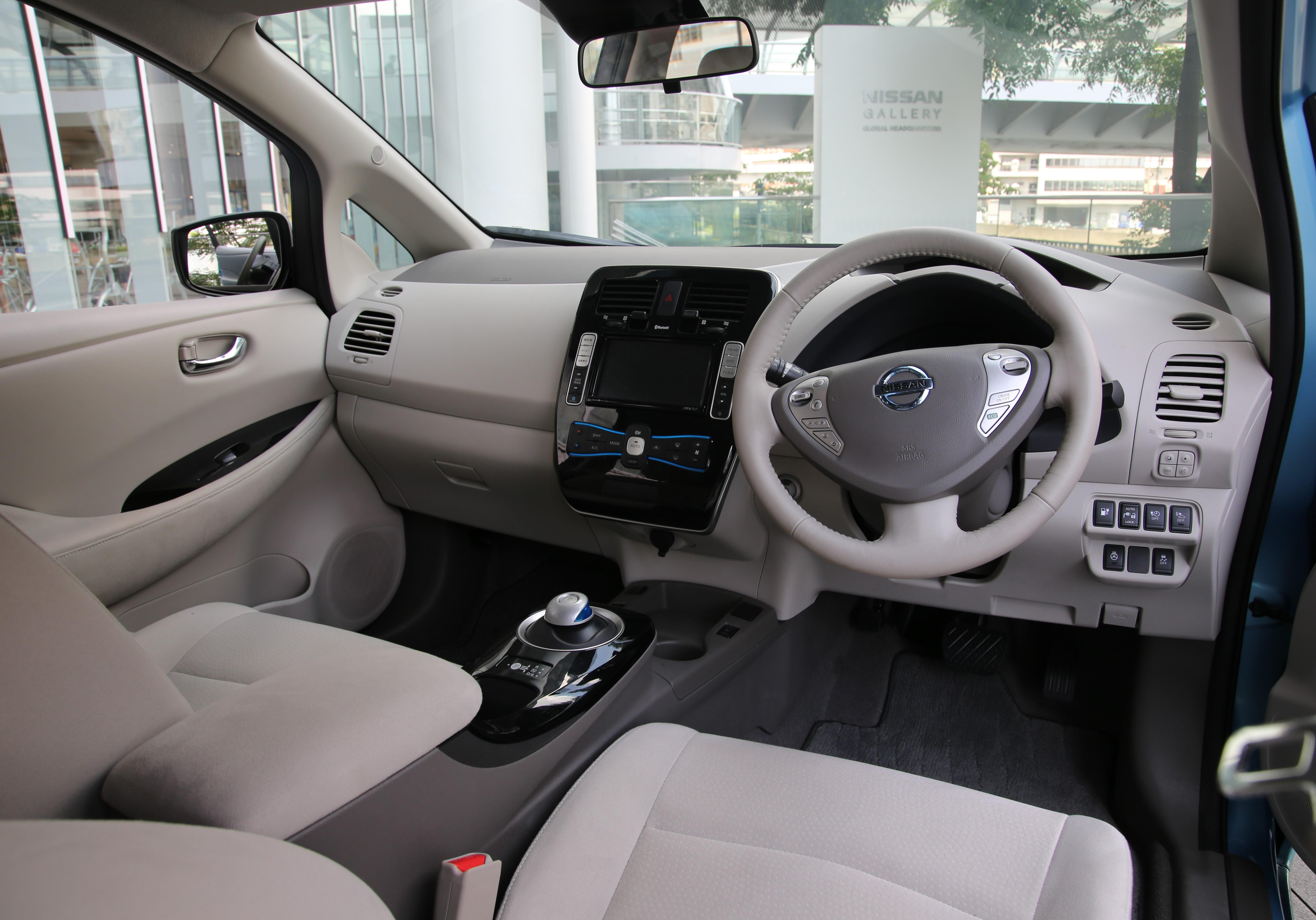File 2017 Nissan Leaf Interior Jpg