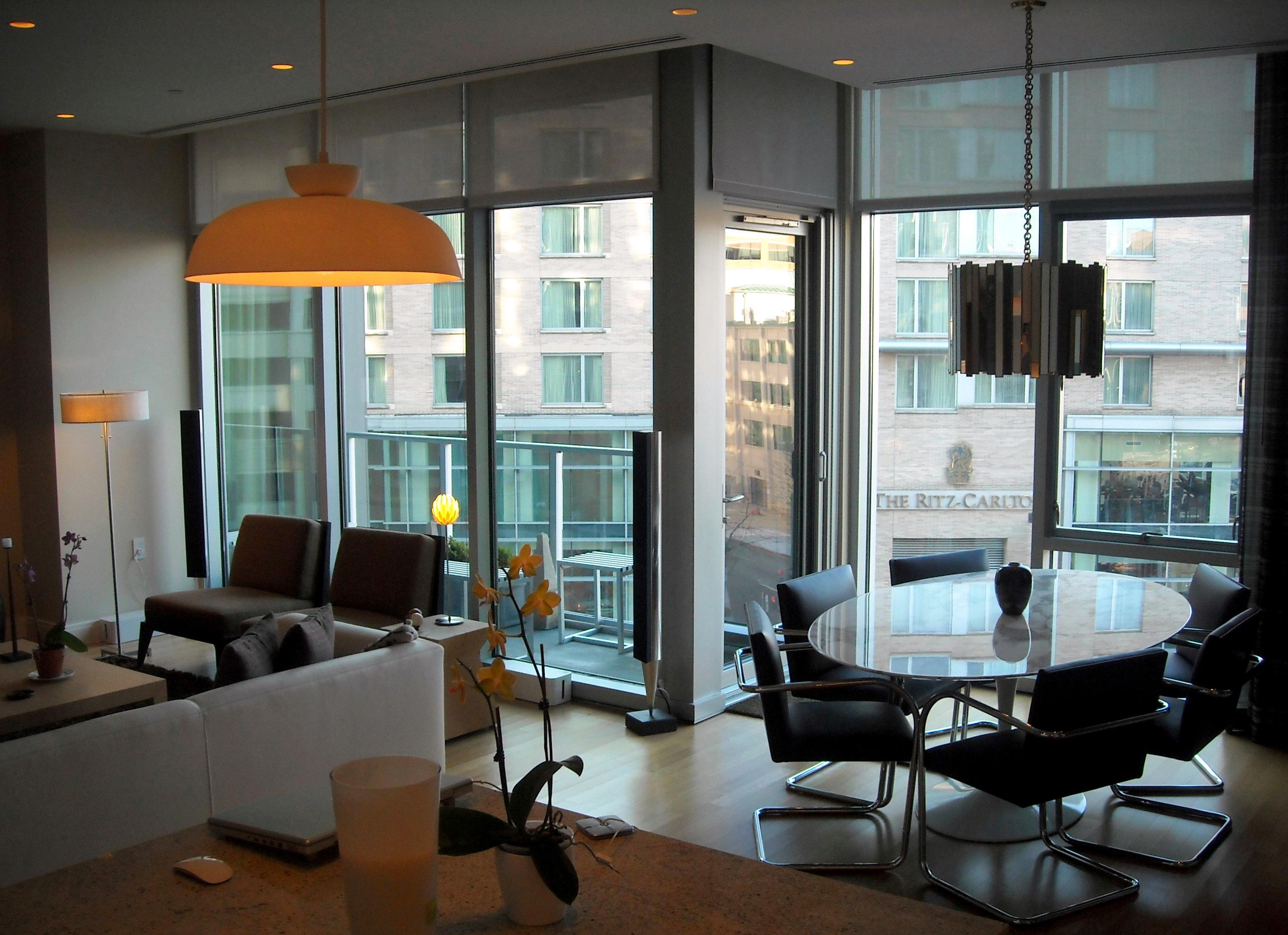 File:22 West - interior view - Ritz Carlton sign.jpg - Wikimedia ...
