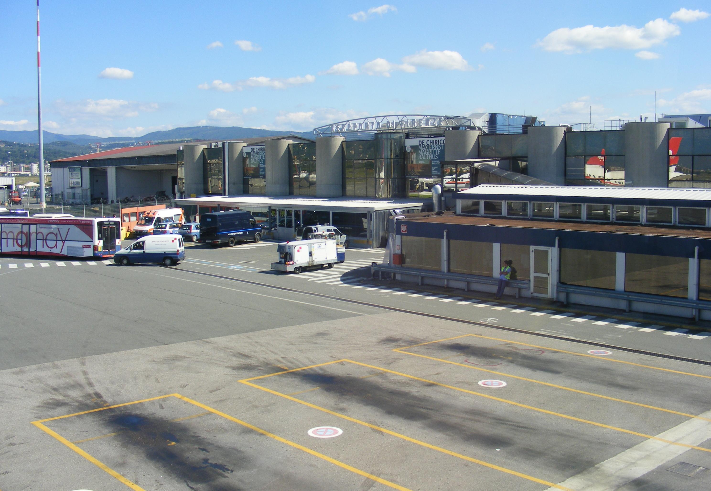 Aeroporto Firenze : File aeroporto di firenze main building seen from