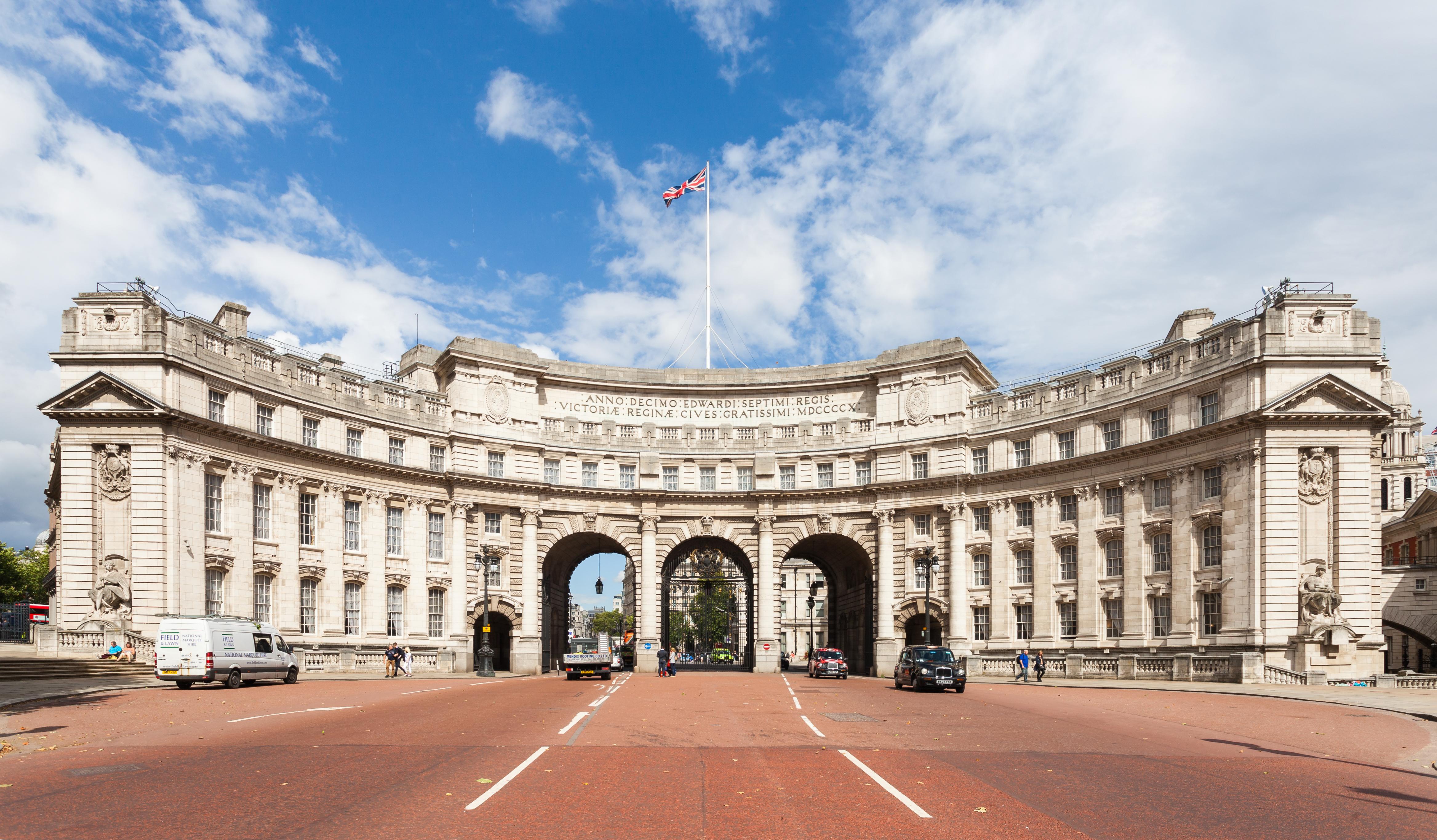 London England Hotels Near Trafalgar Square