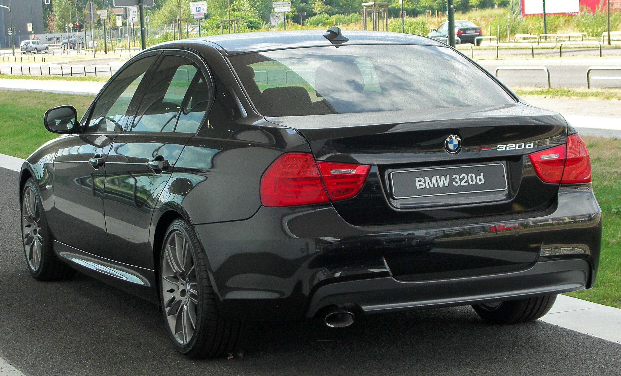 file bmw 320d edition sport e90 facelift rear. Black Bedroom Furniture Sets. Home Design Ideas