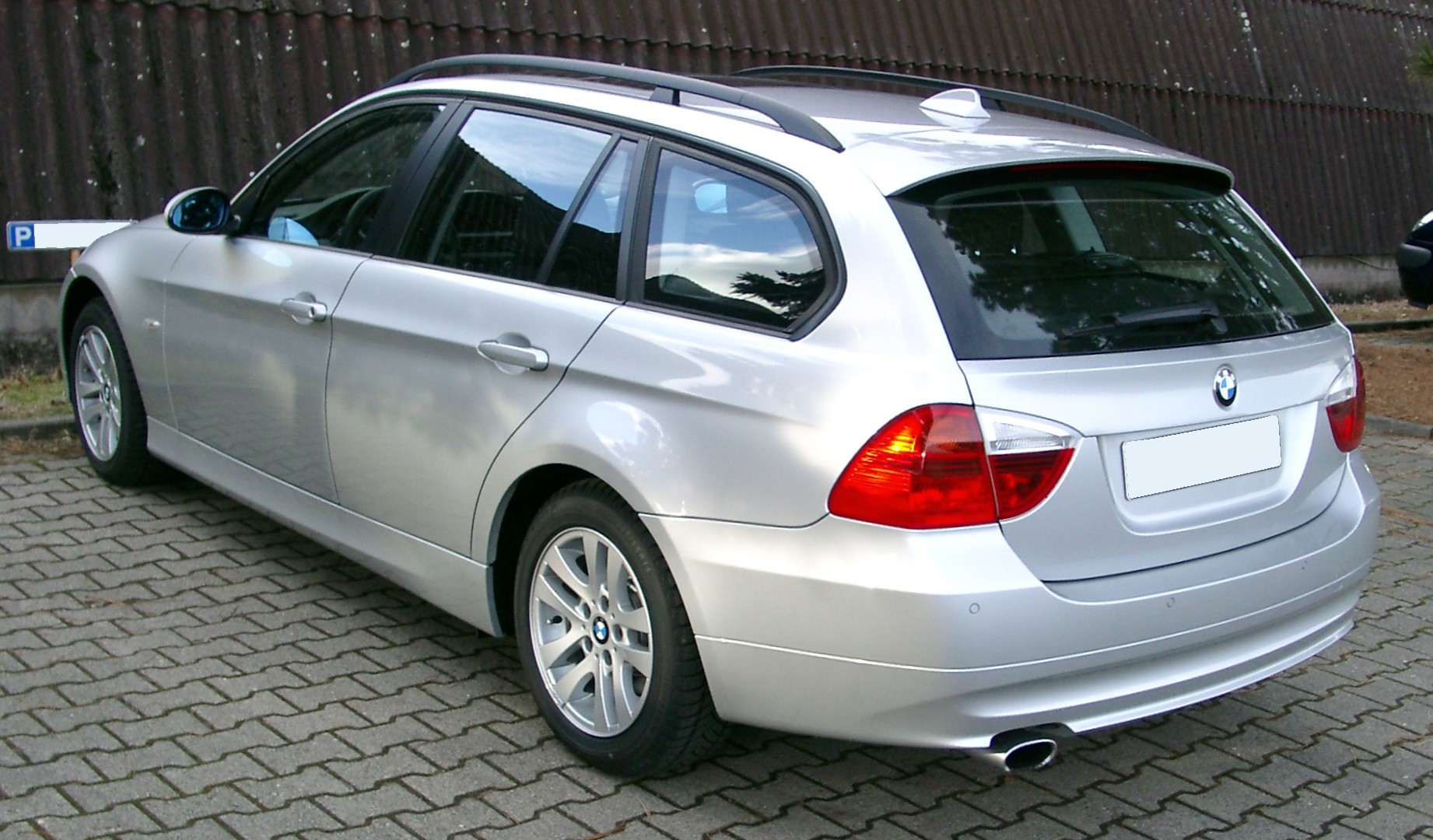 Bmw E90 Wiki >> File:BMW E90 Touring rear 20080108.jpg - Wikimedia Commons