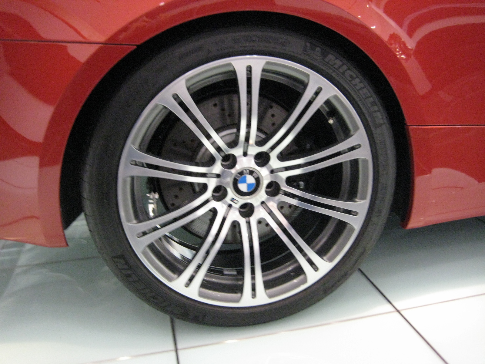 File Bmw E92 M3 Coupe Wheel Jpg Wikimedia Commons
