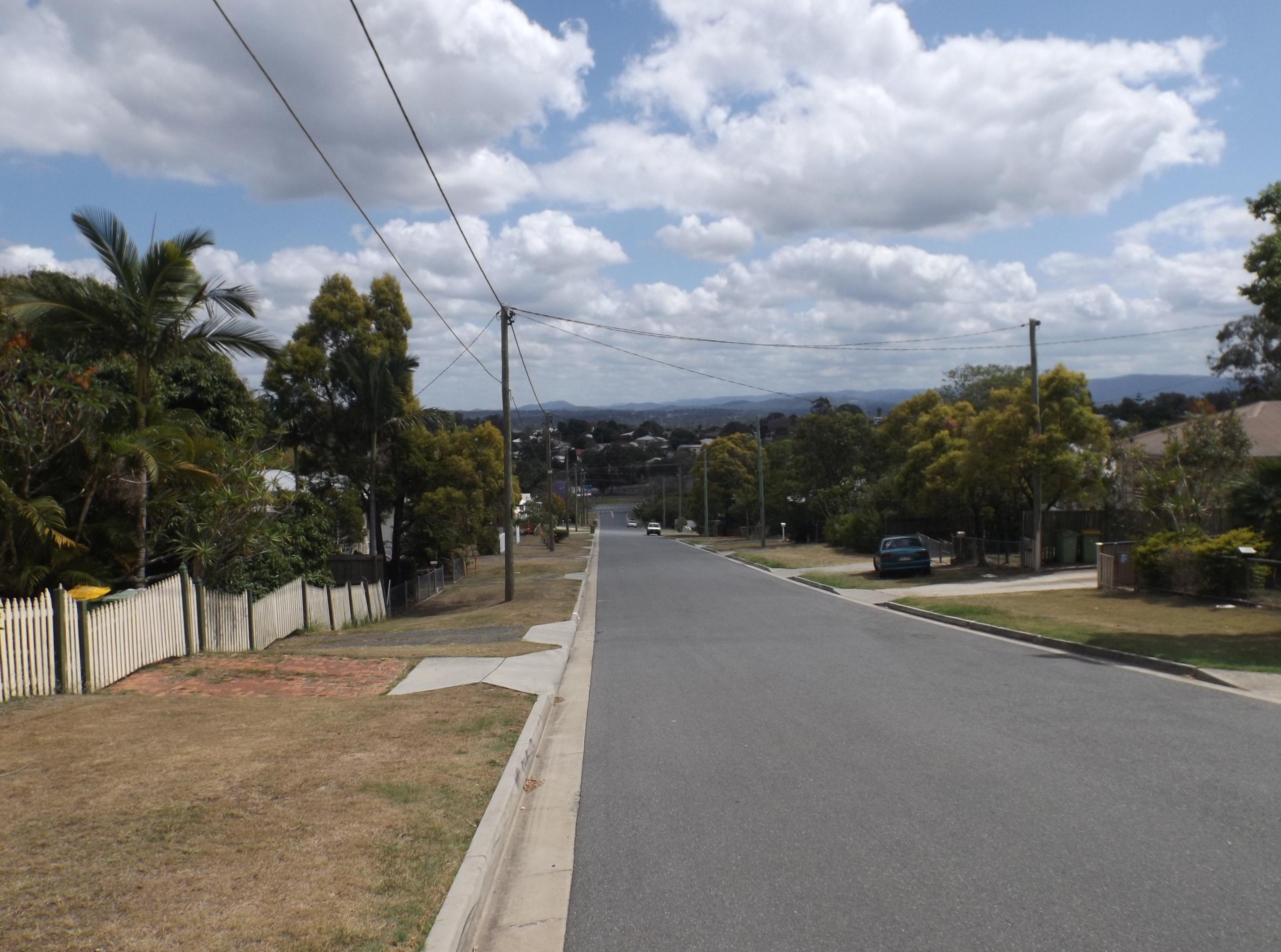 File:Braeside Road, Bundamba, Queensland.jpg - Wikipedia