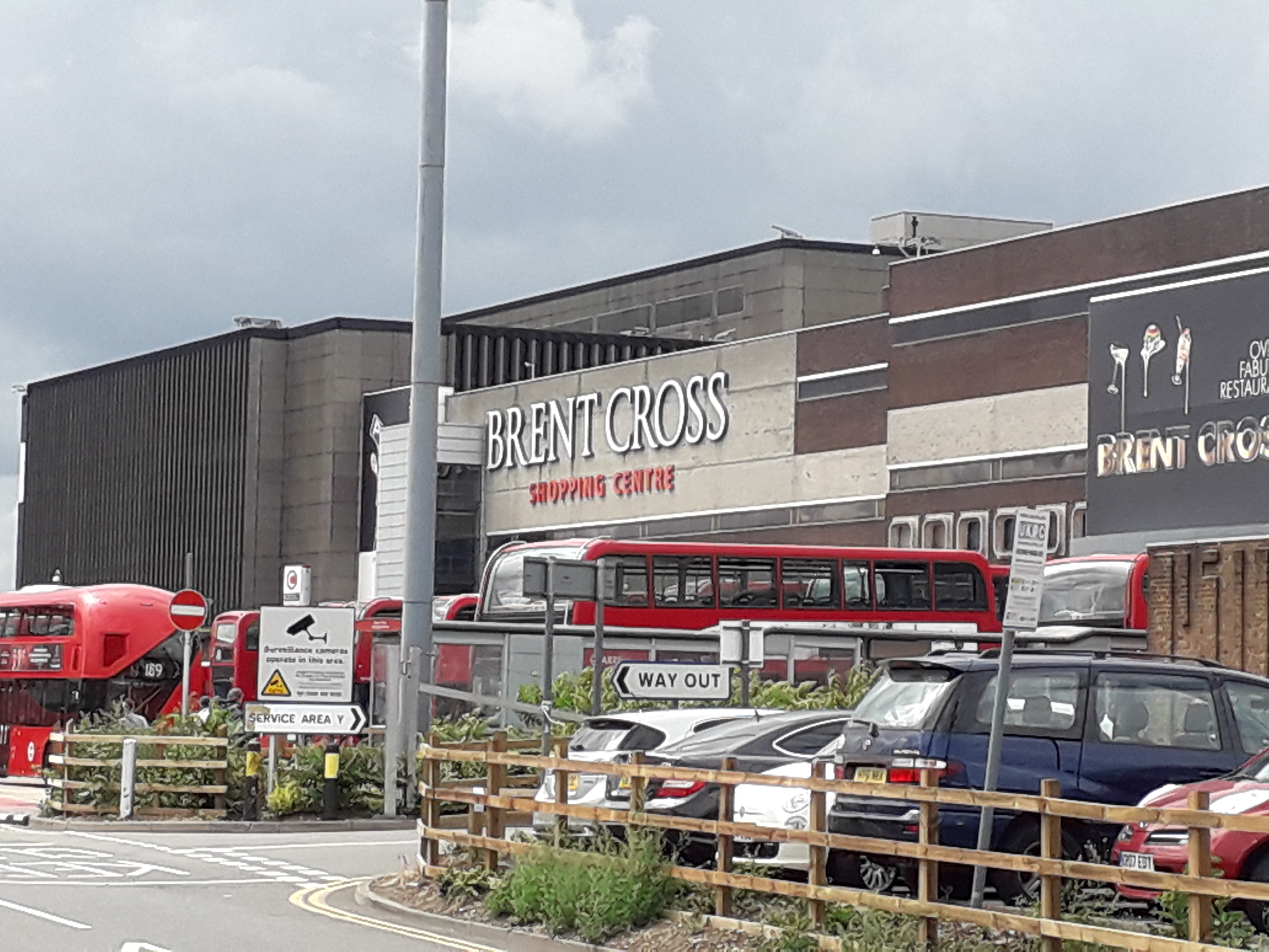 Brent Cross Shopping Centre - Wikipedia