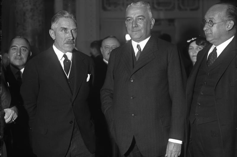 File:Bundesarchiv Bild 102-00897, Franz von Papen und Konstantin von Neurath.jpg