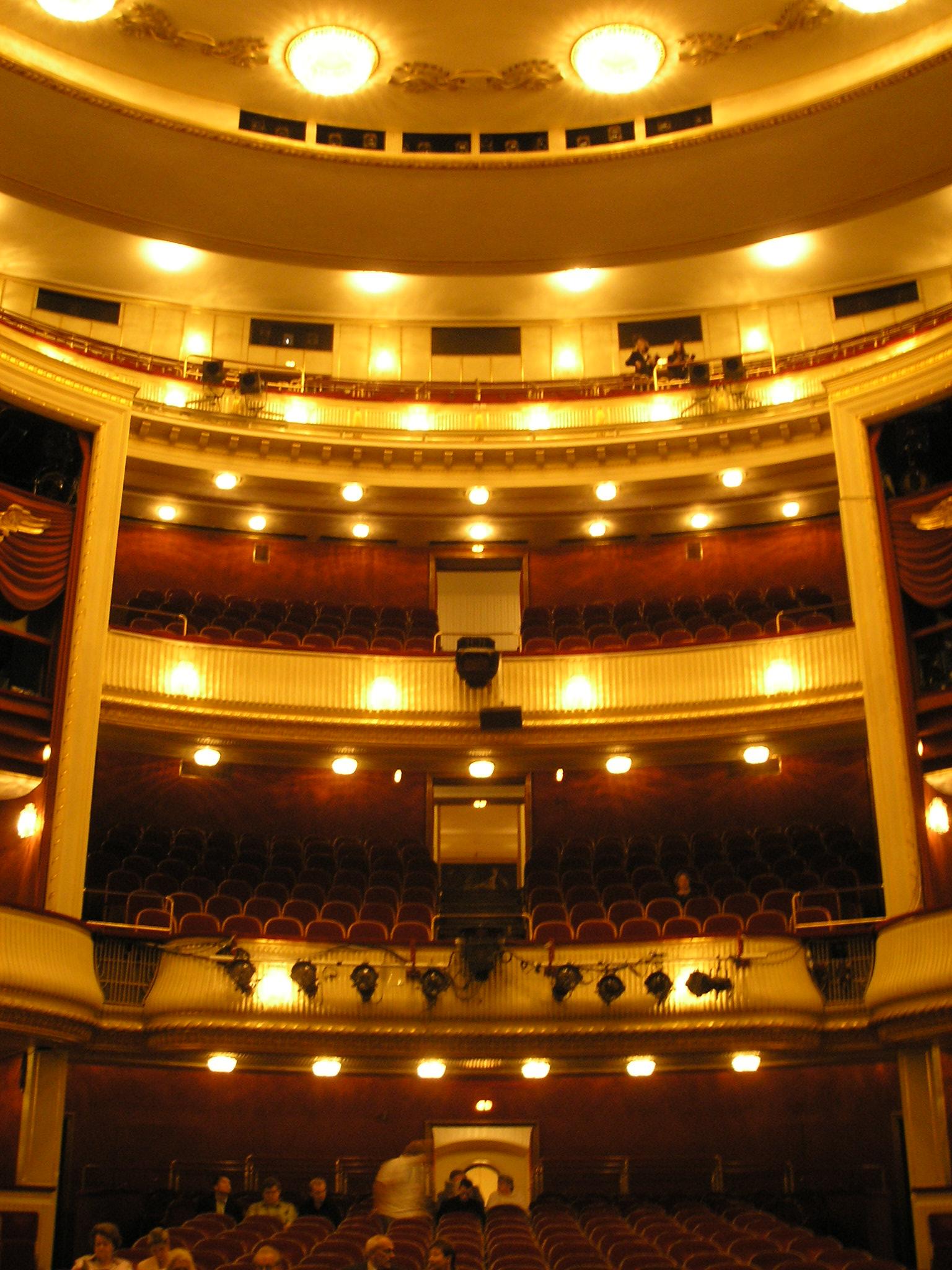 Najlepša pozorišta sveta Burgtheater_Vienna_Oct._2006_005