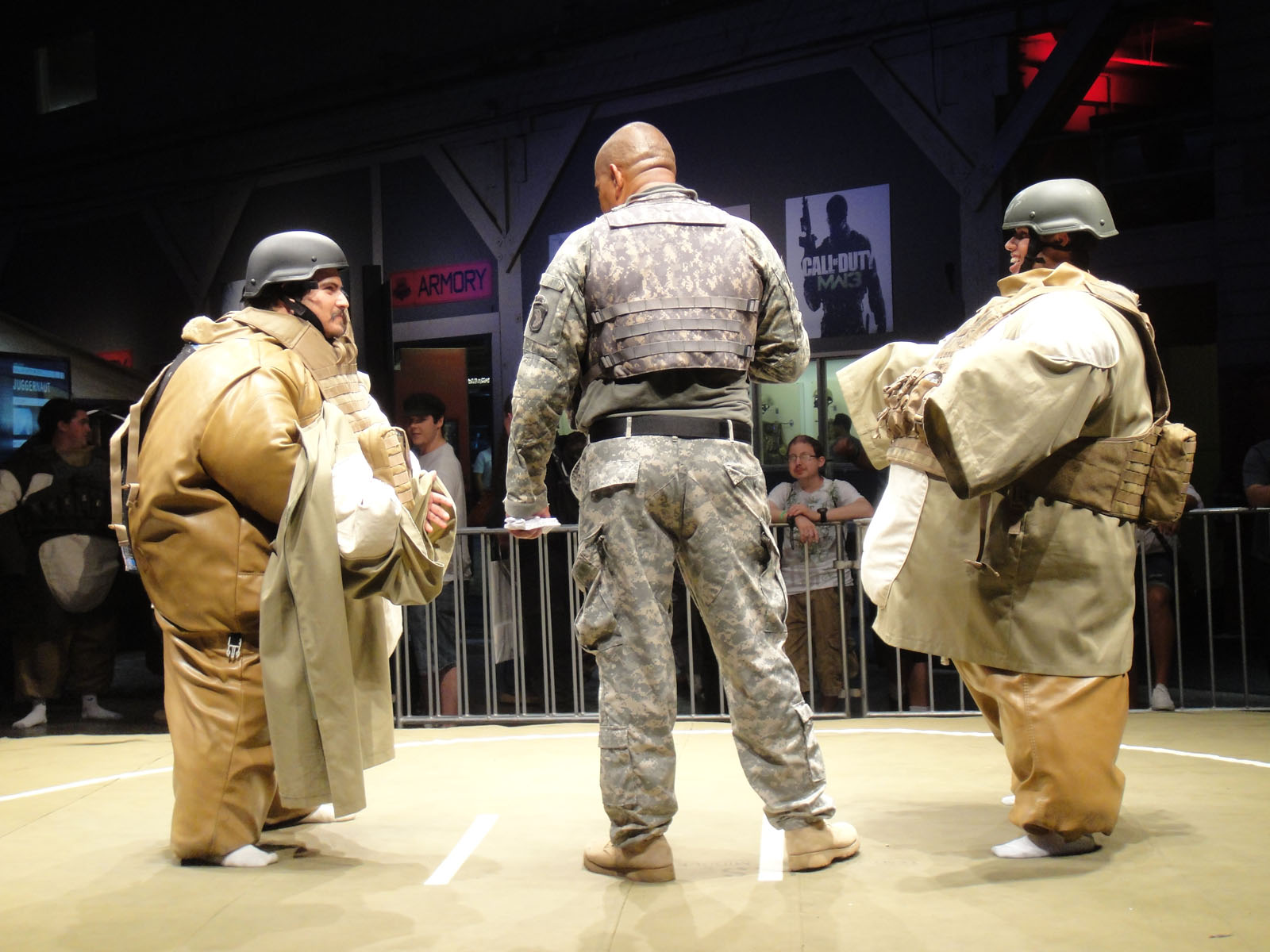 File Call Of Duty Xp 2011 Juggernaut Sumo Challenge 6114031184 Jpg Wikimedia Commons