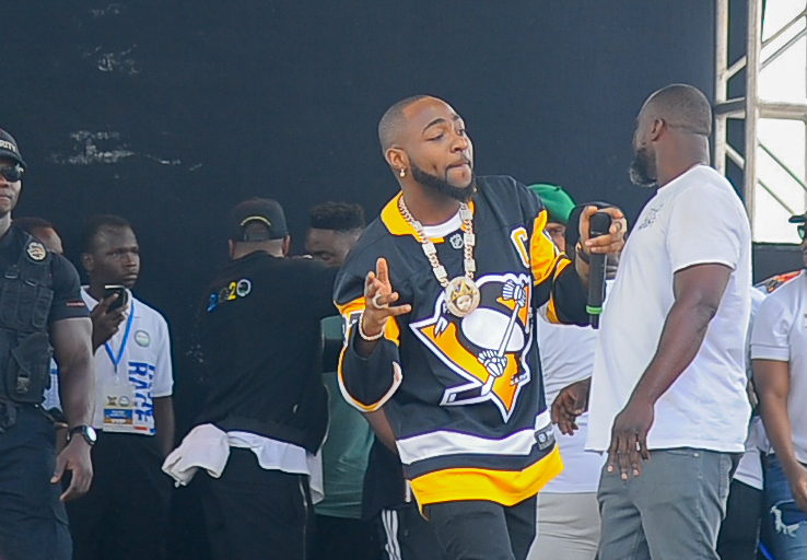 Davido performing at the 2020 Lagos City Marathon gala