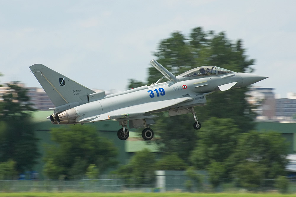 File:Eurofighter Typhoon 01 jpg - Wikimedia Commons