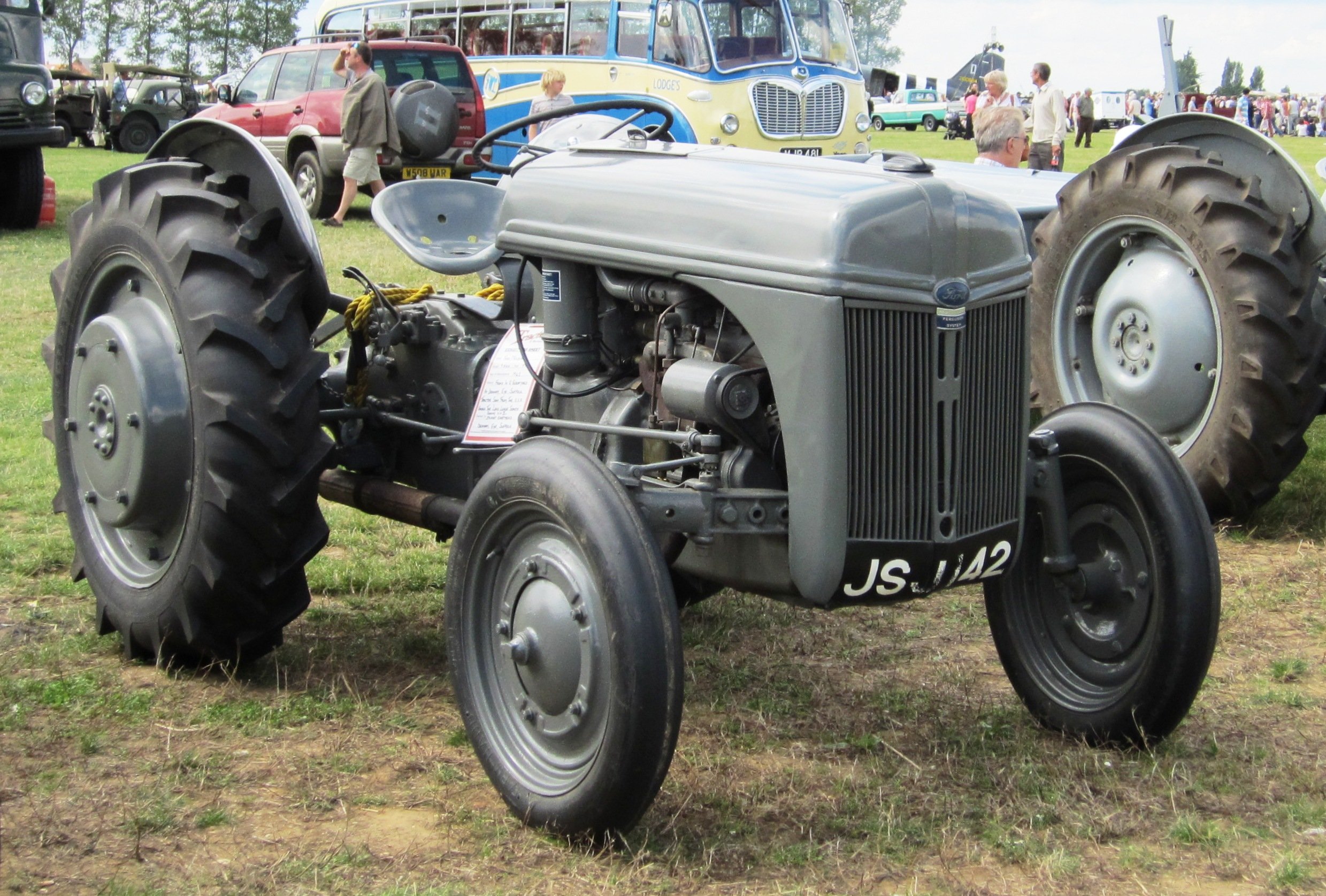 Ford Ferguson Tractor : Mib very collectable vintage ford ferguson n
