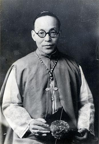 File:Francis Hong Yong-ho.jpg