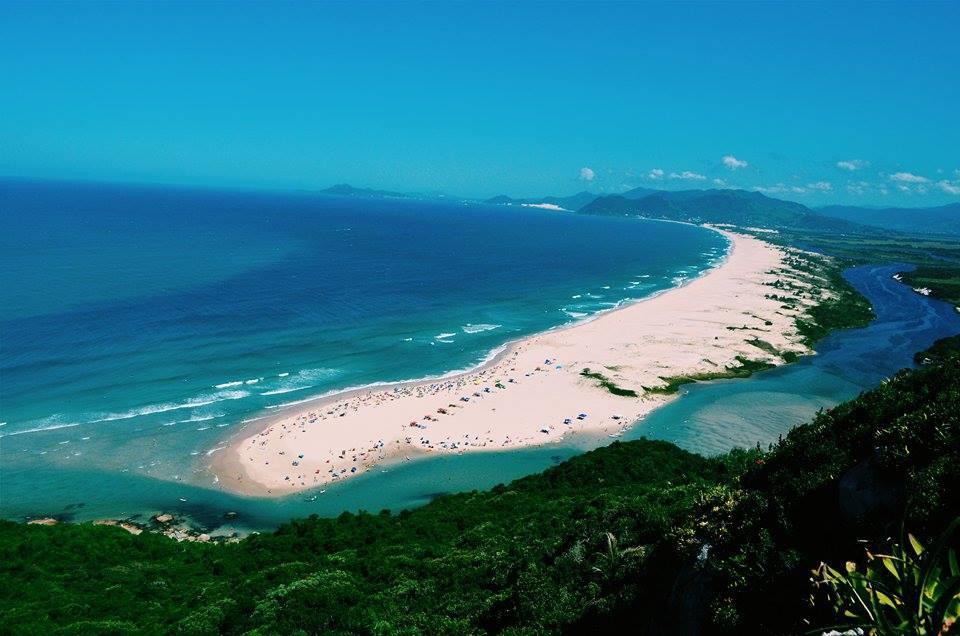 praia da guarda do embau em palhoca santa catarina