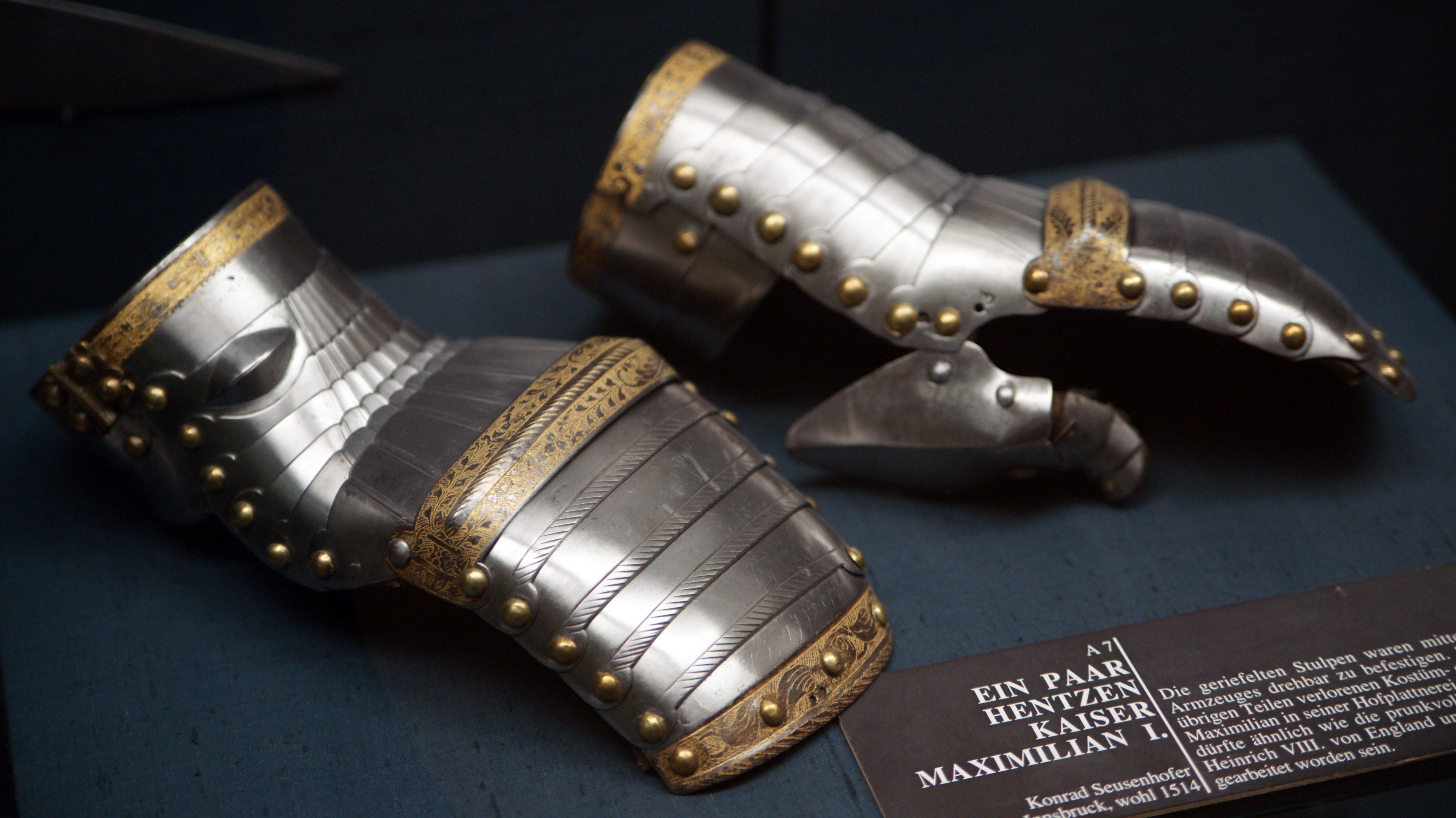 Lots Of The Rings Metal Spike Glove