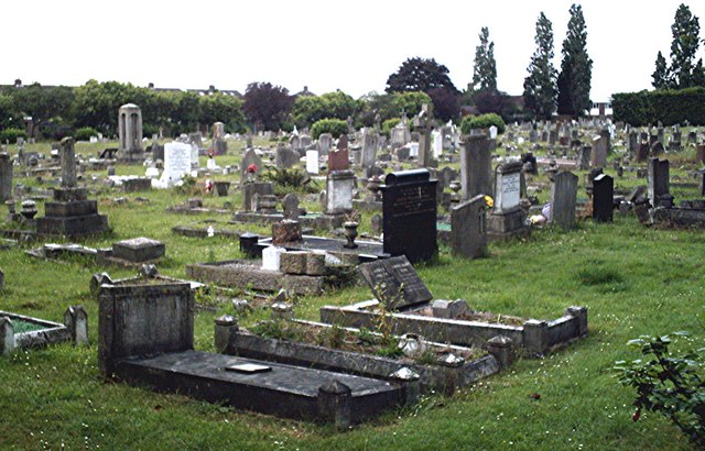 File:Hornchurch Cemetery - geograph.org.uk - 471134.jpg