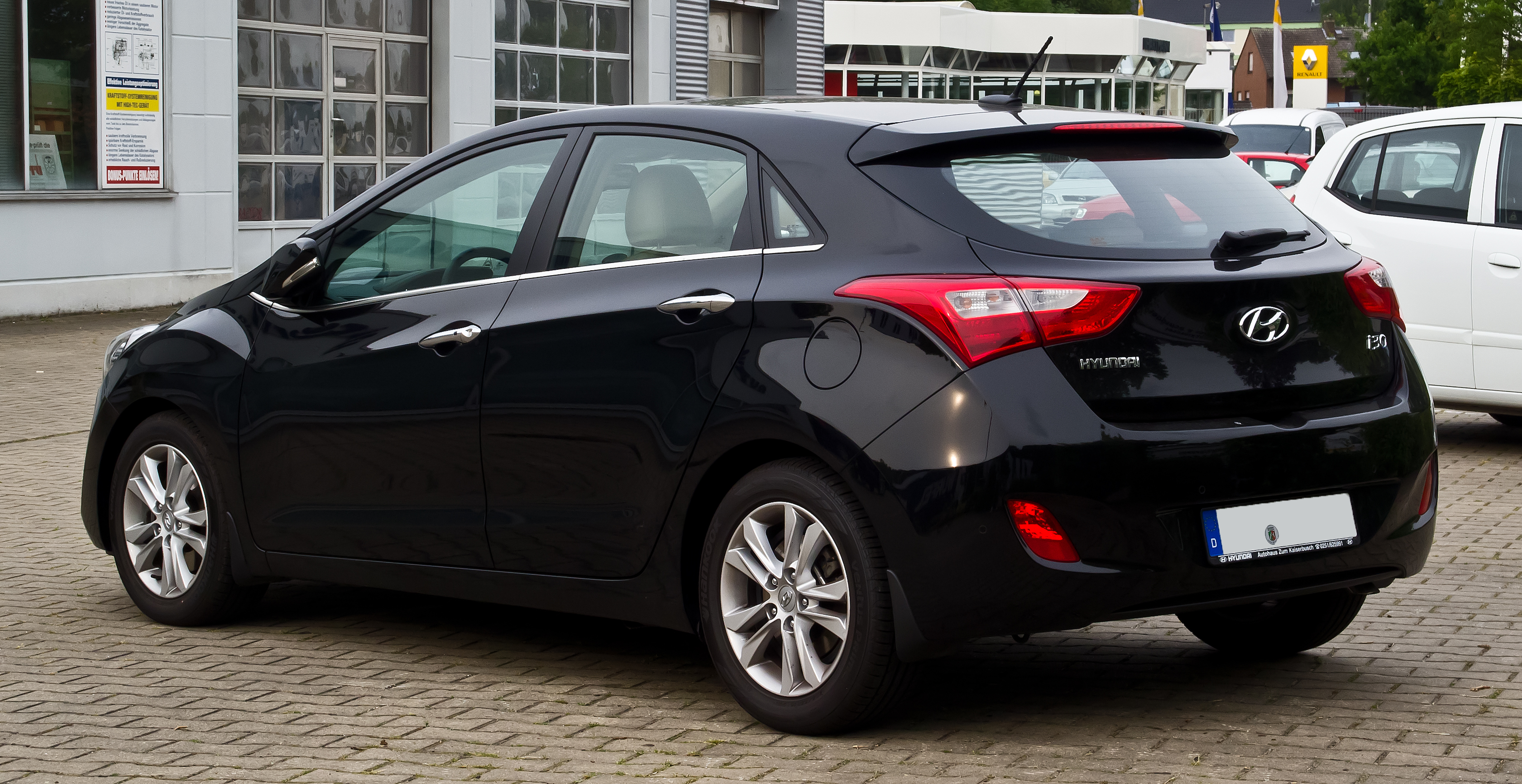 file hyundai i30 1 6 crdi style ii heckansicht 14 juli 2013 m wikimedia commons. Black Bedroom Furniture Sets. Home Design Ideas