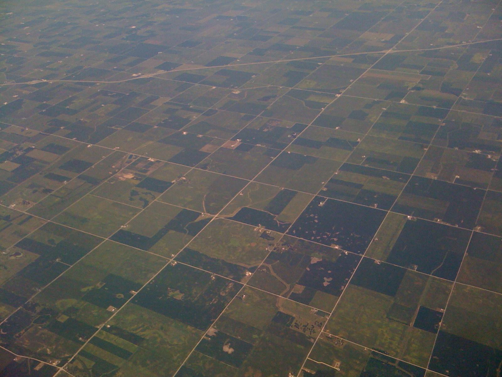 https://upload.wikimedia.org/wikipedia/commons/9/94/Indy_farmland.jpg