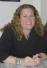Jodi Picoult at a 2007 book signing for Ninete...