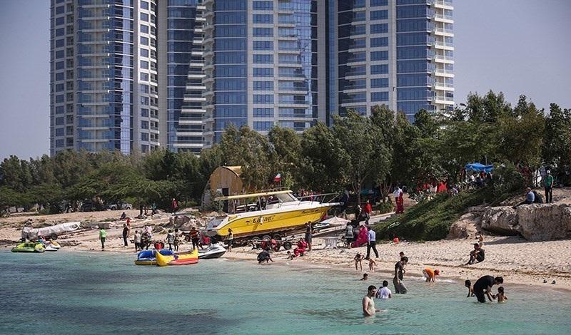 Lebih dari 1 juta wisatawan mengunjungi Pulau Kish setiap tahun.