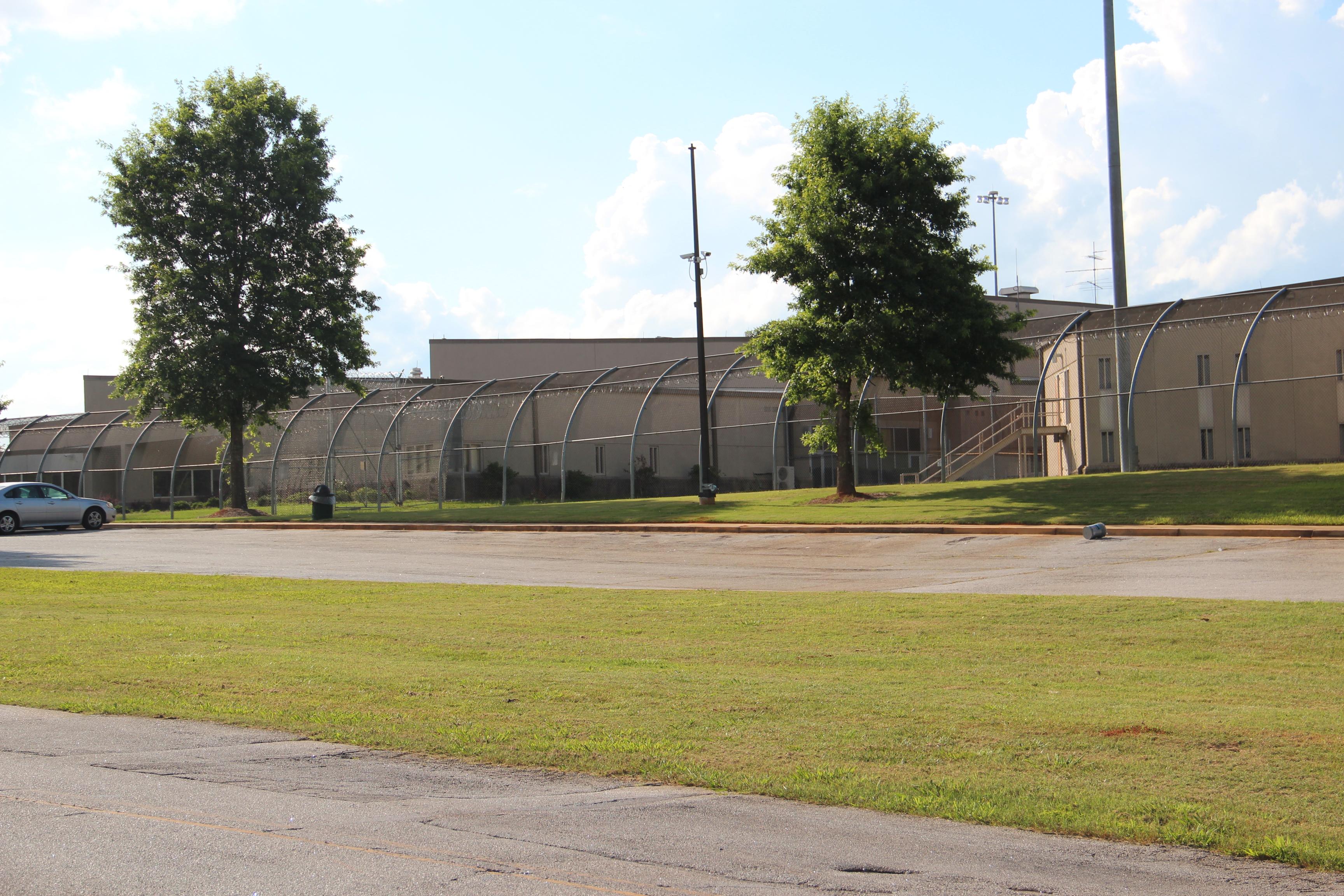 Metro State Prison - Wikipedia