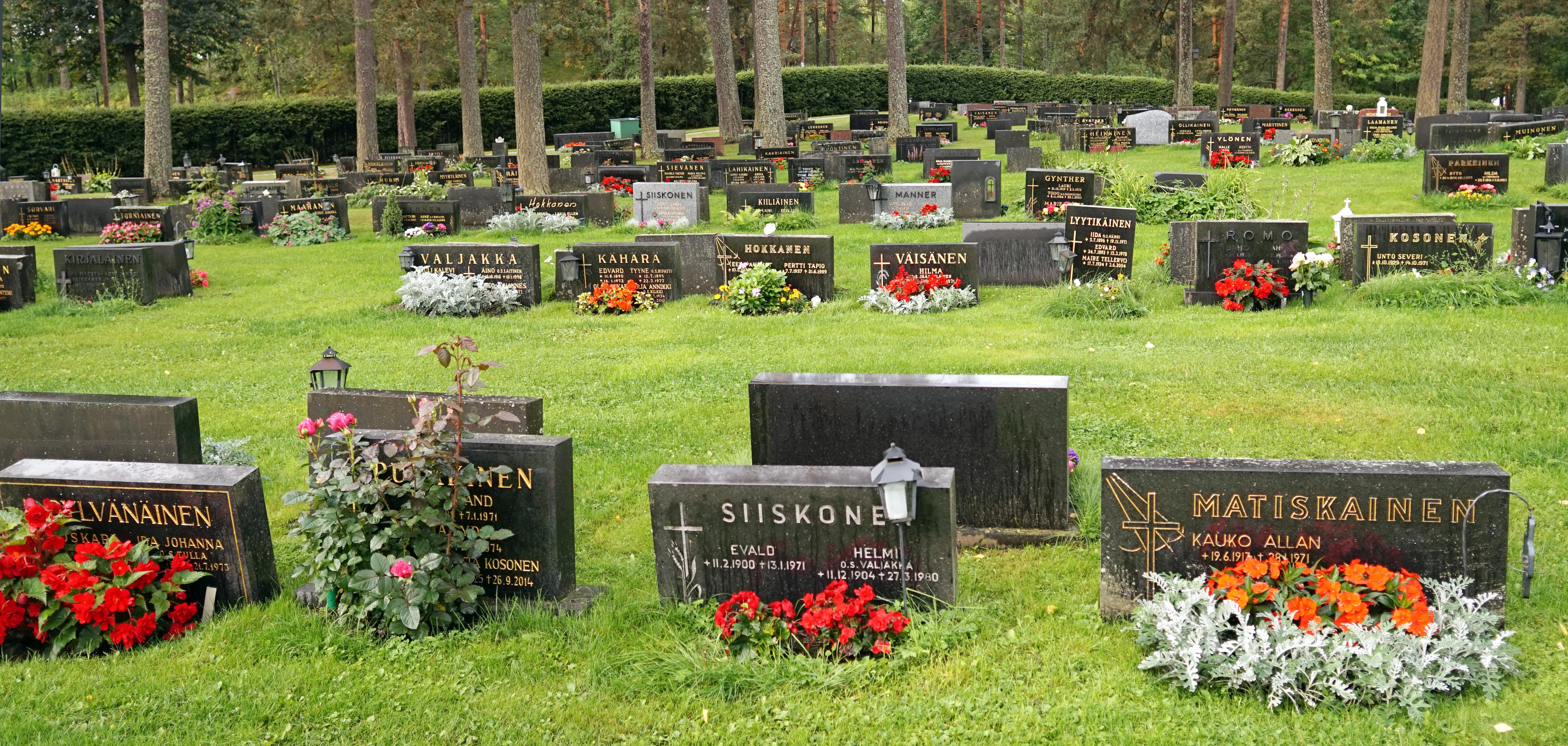 Mikkeli - cemetery 2.jpg