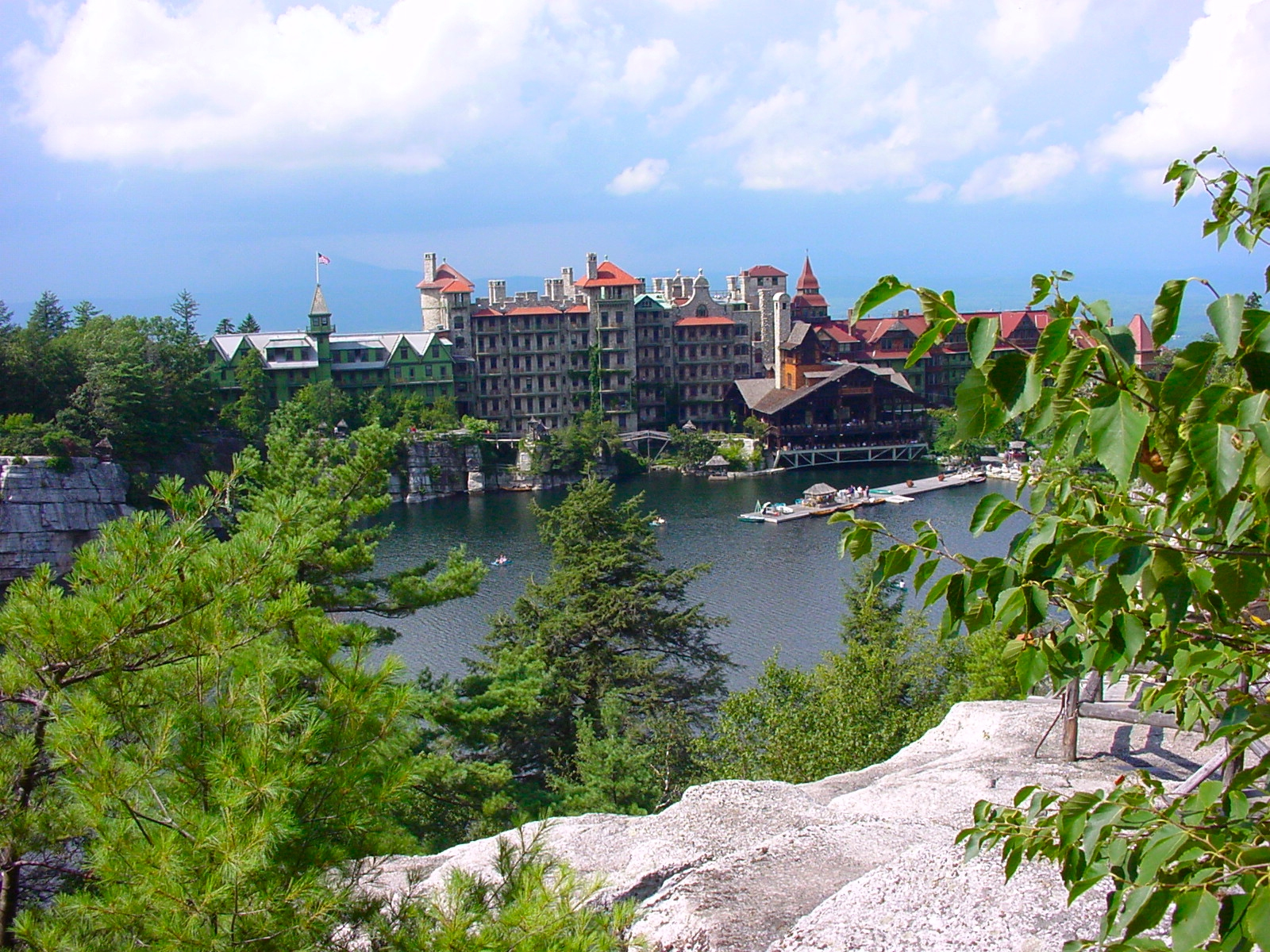 File mohonk mountain house view from wikimedia for Mountain house media