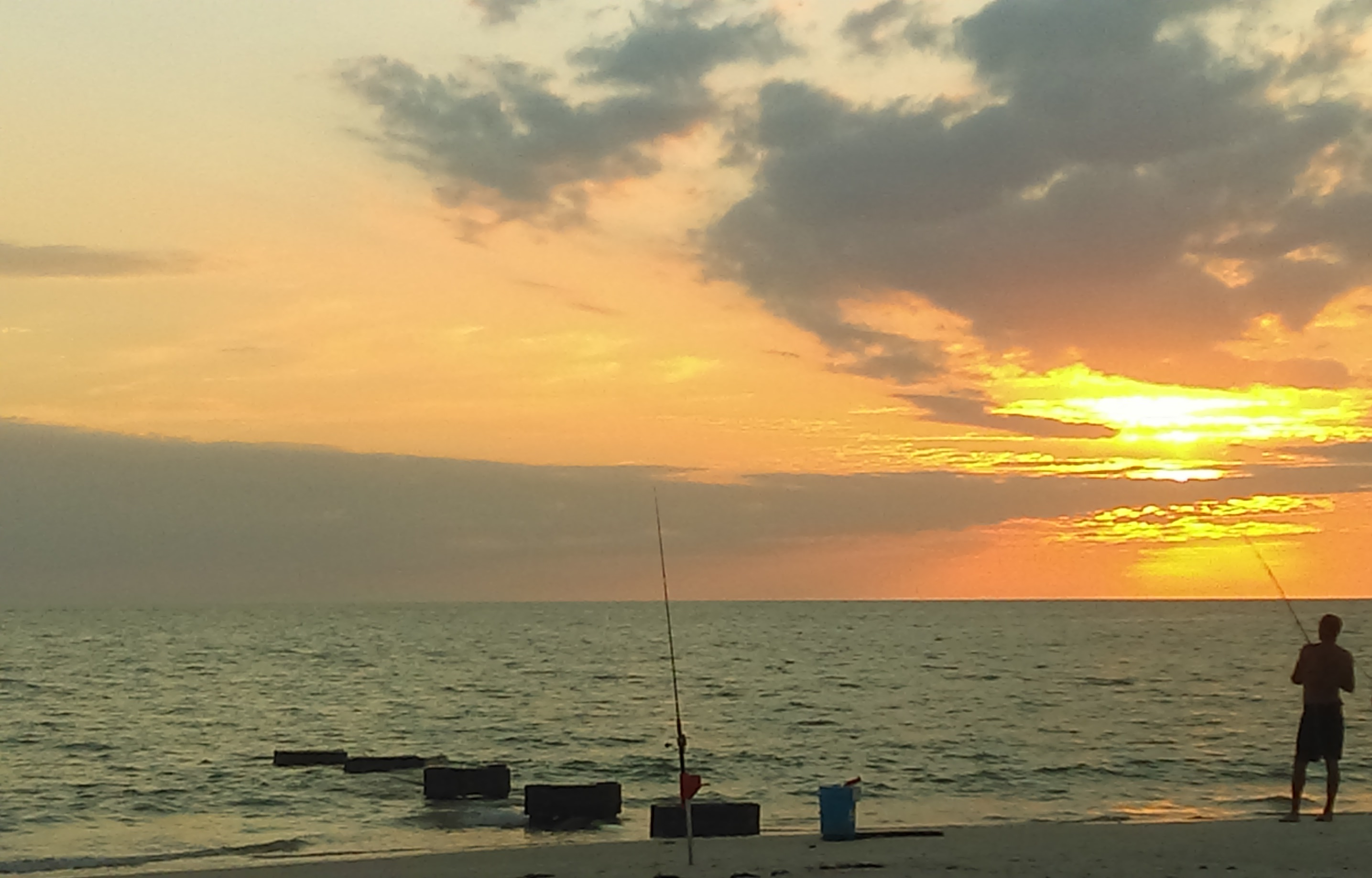 File naples florida sunset wikimedia commons for Fishing naples fl