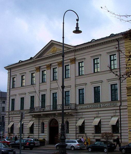 Palais Almeida