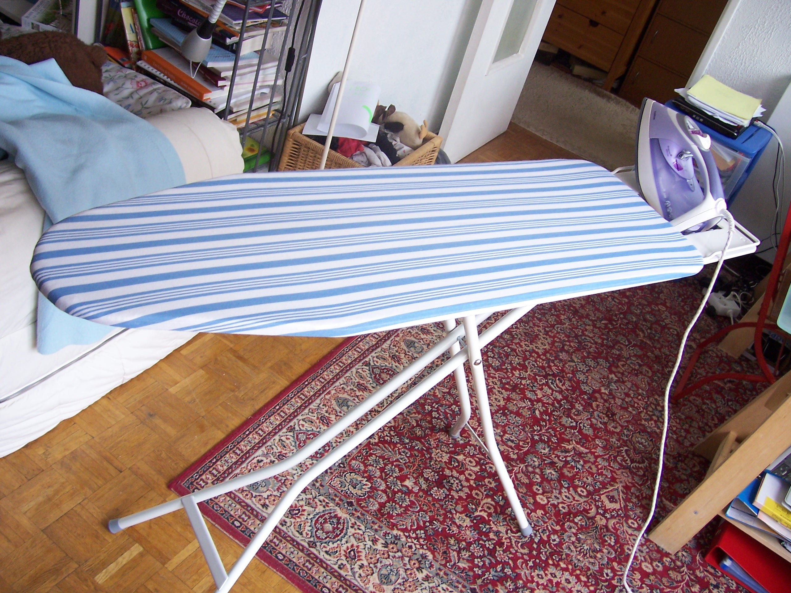 file planche repasser jpg wikimedia commons. Black Bedroom Furniture Sets. Home Design Ideas