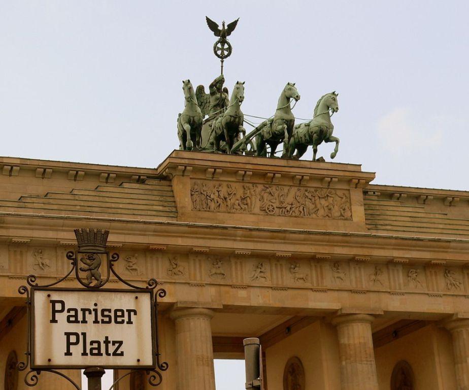 Brandenburg Gate Quadriga File Quadriga Berlin Brandenburg Gate Jpg