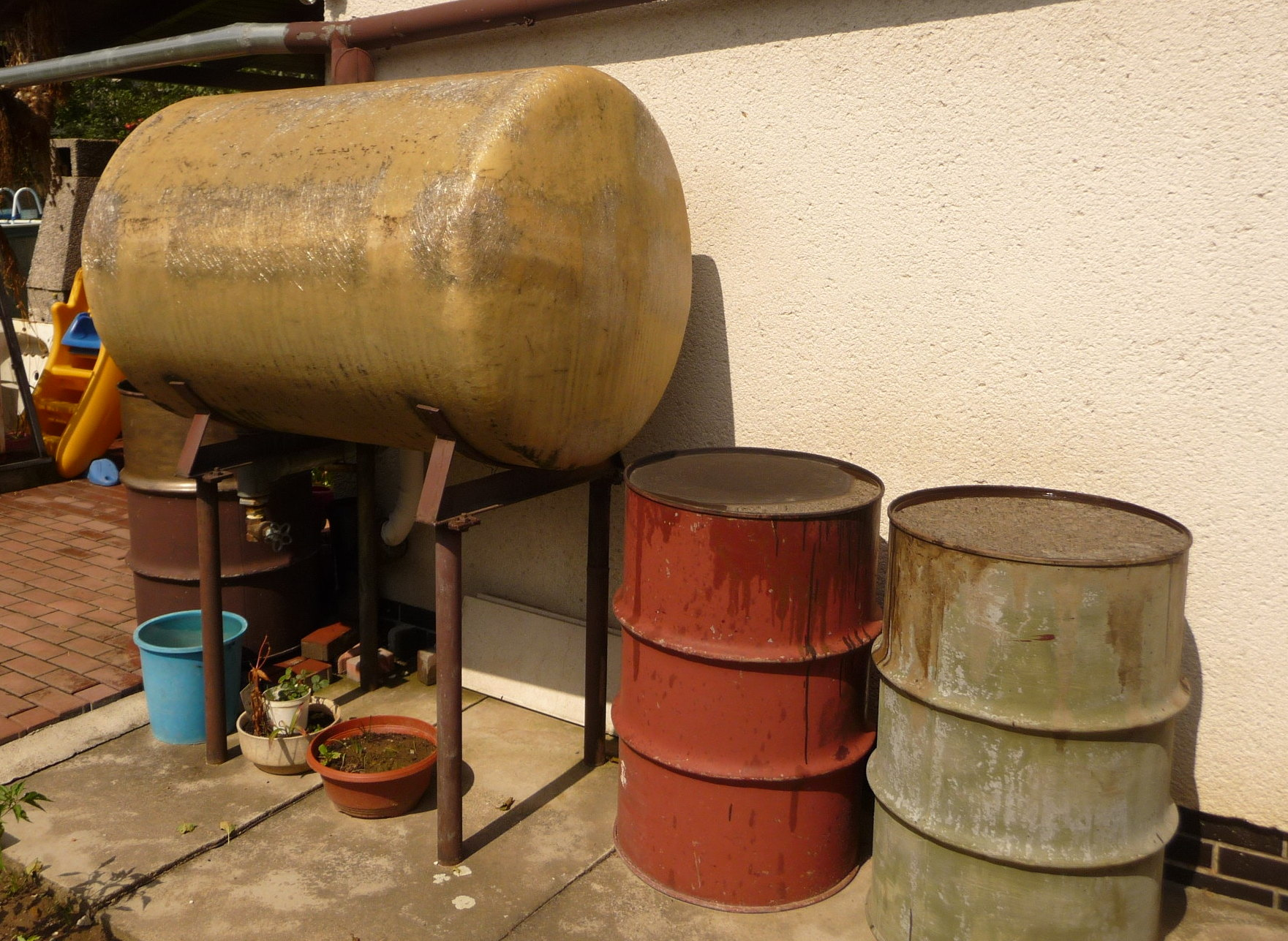 File:Rainwater tank, Fryšták.jpg