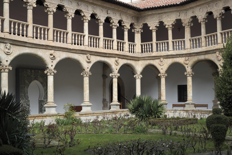 File:Salamanca Convento de las Dueñas 436.jpg - Wikimedia ...