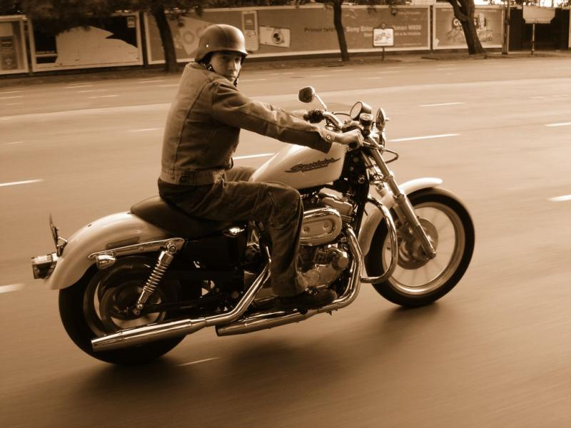 Harley Davidson Sportster  Anniversary Edition Review