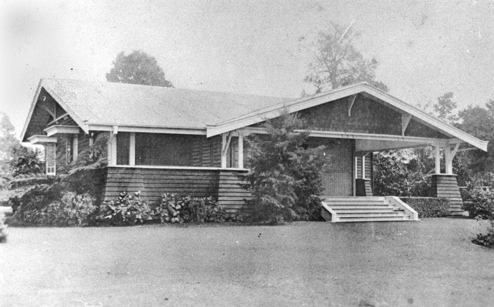 FileStateLibQld 1 152911 Californian Bungalow Style Dwelling