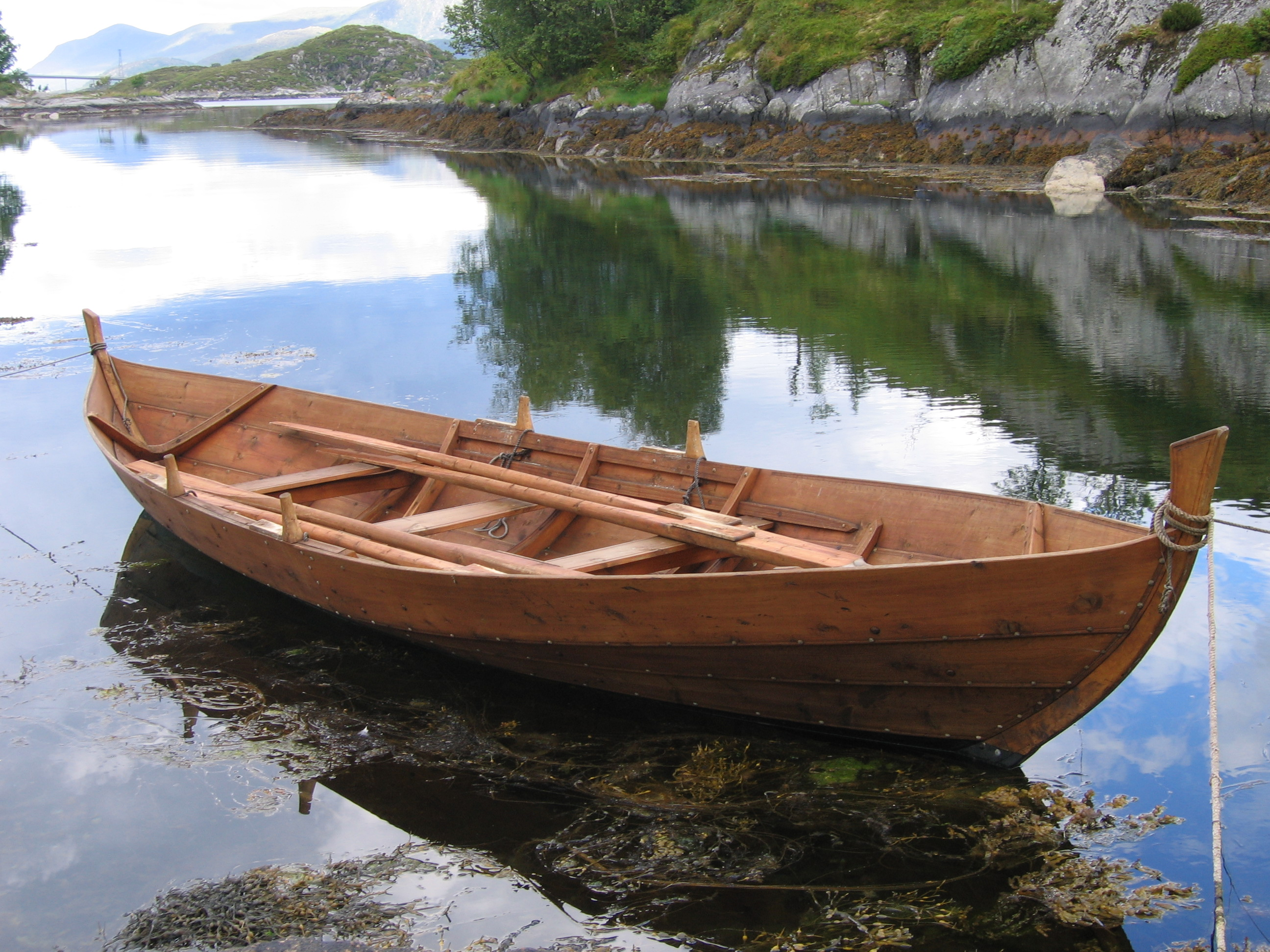 Wallpaper Wooden Row Boat With Motor