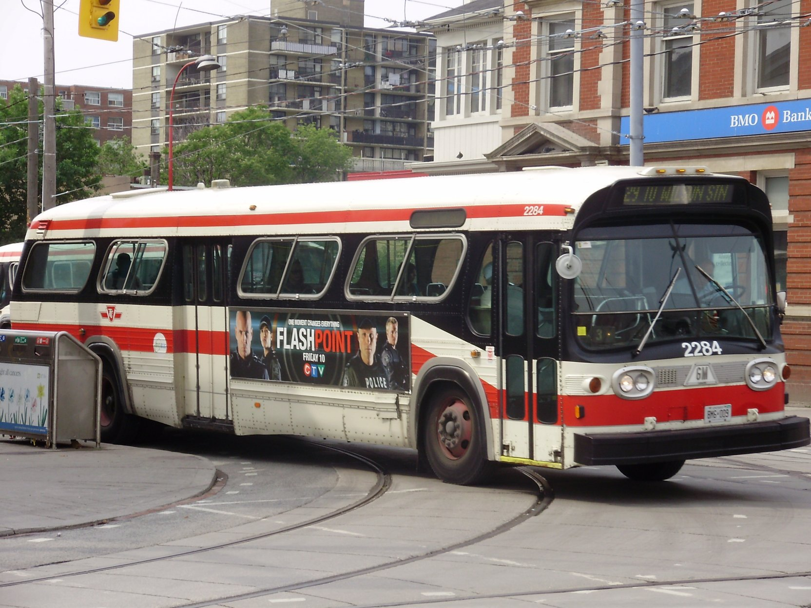 File:TTC T6H 5307N Bus 2284.jpg