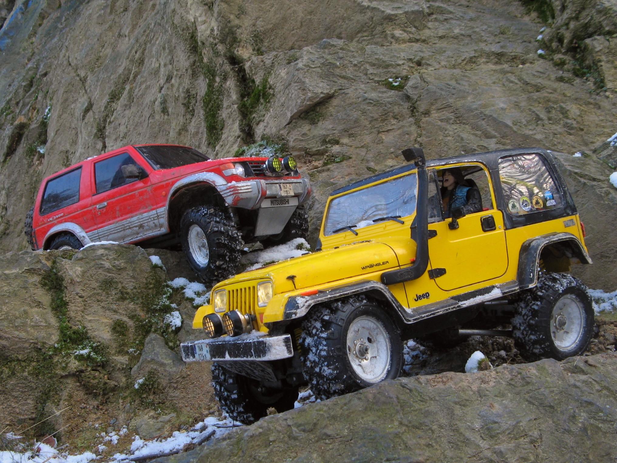 Jeep Wrangler Wiki >> File:Tamiya CC-01, Jeep Wrangler YJ a Mitsubishi Pajero.jpg - Wikimedia Commons