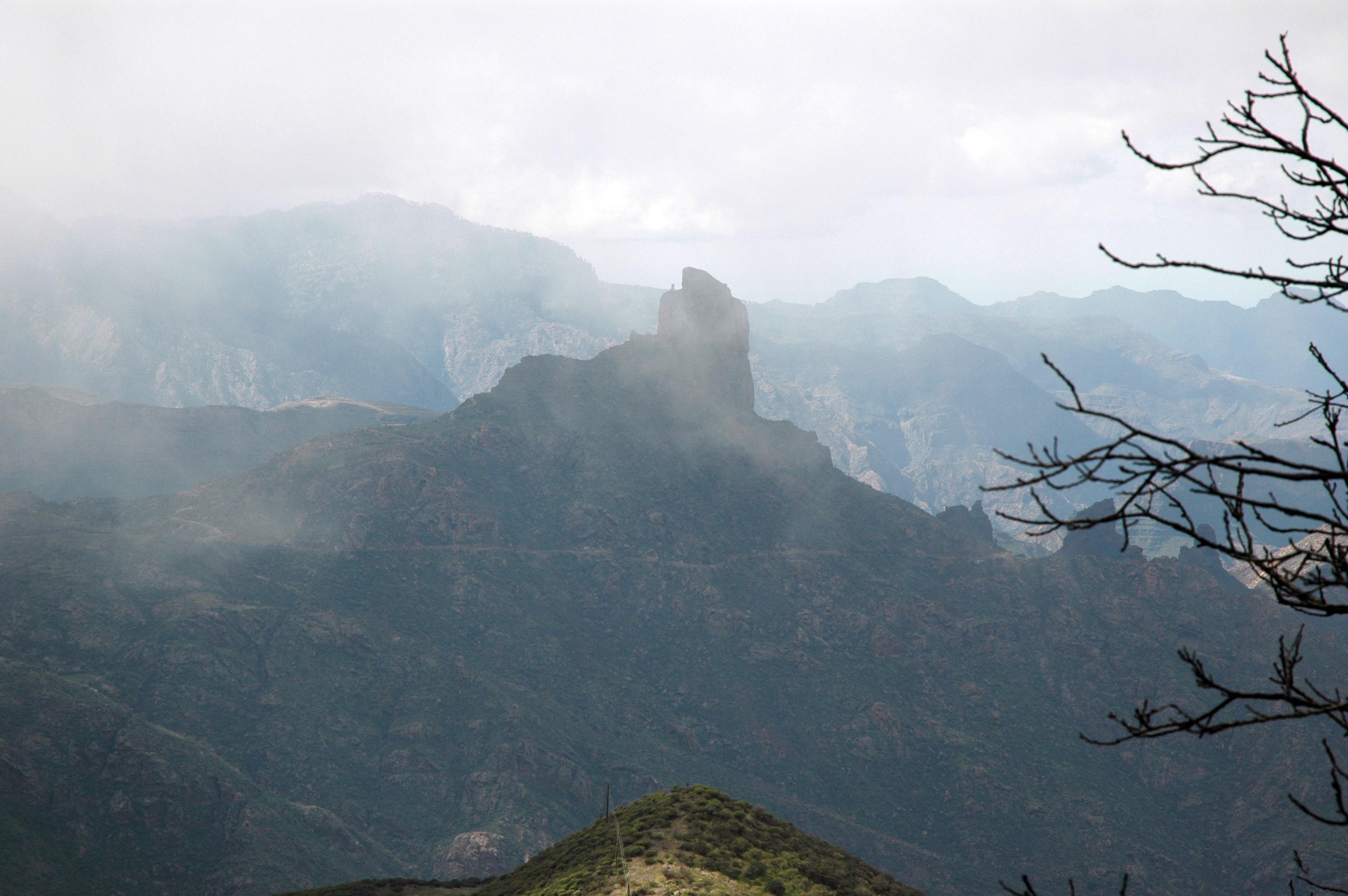 Descripción Tempestad roque bentayga gran canaria.jpg