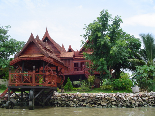 http://upload.wikimedia.org/wikipedia/commons/9/94/Thai_house.jpg